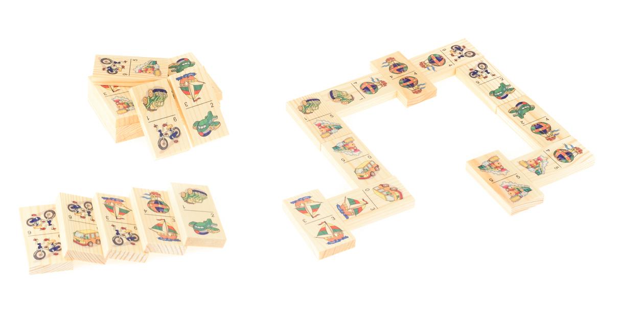 Развивающие деревянные игрушки Домино ТранспортД215аБОЛЬШОЕ ДОМИНО для детей — отличная разивающая игрушка из экологичного материала — натурального дерева, которую мы производим в России. Фишки большого размера — 10х35х70 мм — прекрасно подойдут даже для самых маленьких игроков. Малышу удобно держать такую фишку. Рисунки на ней — яркие и большие. С этой игрушкой можно играть не только дома, но и эффективно использовать для занятий в детском саду. Играя, ребёнок развивает целый спектр навыков: моторику, логику, воображение, а также изучает окружающий мир, счёт, арифметику и цвета.