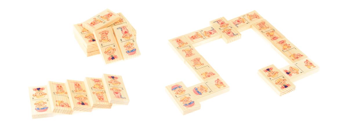 Развивающие деревянные игрушки Домино для малышекД221аБОЛЬШОЕ ДОМИНО для детей — отличная разивающая игрушка из экологичного материала — натурального дерева, которую мы производим в России. Фишки большого размера — 10х35х70 мм — прекрасно подойдут даже для самых маленьких игроков. Малышу удобно держать такую фишку. Рисунки на ней — яркие и большие. С этой игрушкой можно играть не только дома, но и эффективно использовать для занятий в детском саду. Играя, ребёнок развивает целый спектр навыков: моторику, логику, воображение, а также изучает окружающий мир, счёт, арифметику и цвета.