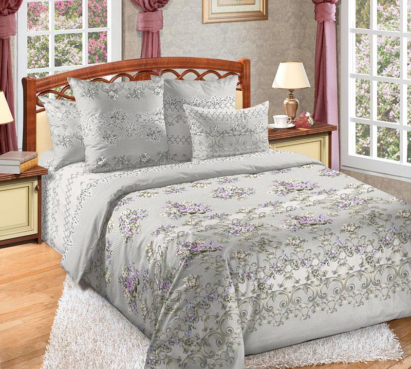 Комплект белья Текс-Дизайн Флер 1, семейный, наволочки 70x706250ПКомплект постельного белья Флер выполнен из тонкого, но прочного перкаля, дизайн которого создает ощущение легкого флера - ткань кажется шелковой и полупрозрачной. Некрупные цветы, напоминающие фиалки, и стильные орнаменты располагаются на сером, отливающем серебром фоне. Комплект эксклюзивной расцветки смотрится величественно и элегантно. Перкаль - это тонкая и легкая хлопчатобумажная ткань высокой плотности полотняного переплетения, сотканная из пряжи высоких номеров. При изготовлении перкаля используются длинноволокнистые сорта хлопка, что обеспечивает высокие потребительские свойства материала. Несмотря на свою утонченность, перкаль очень практичен - это одна из самых износостойких тканей для постельного белья.
