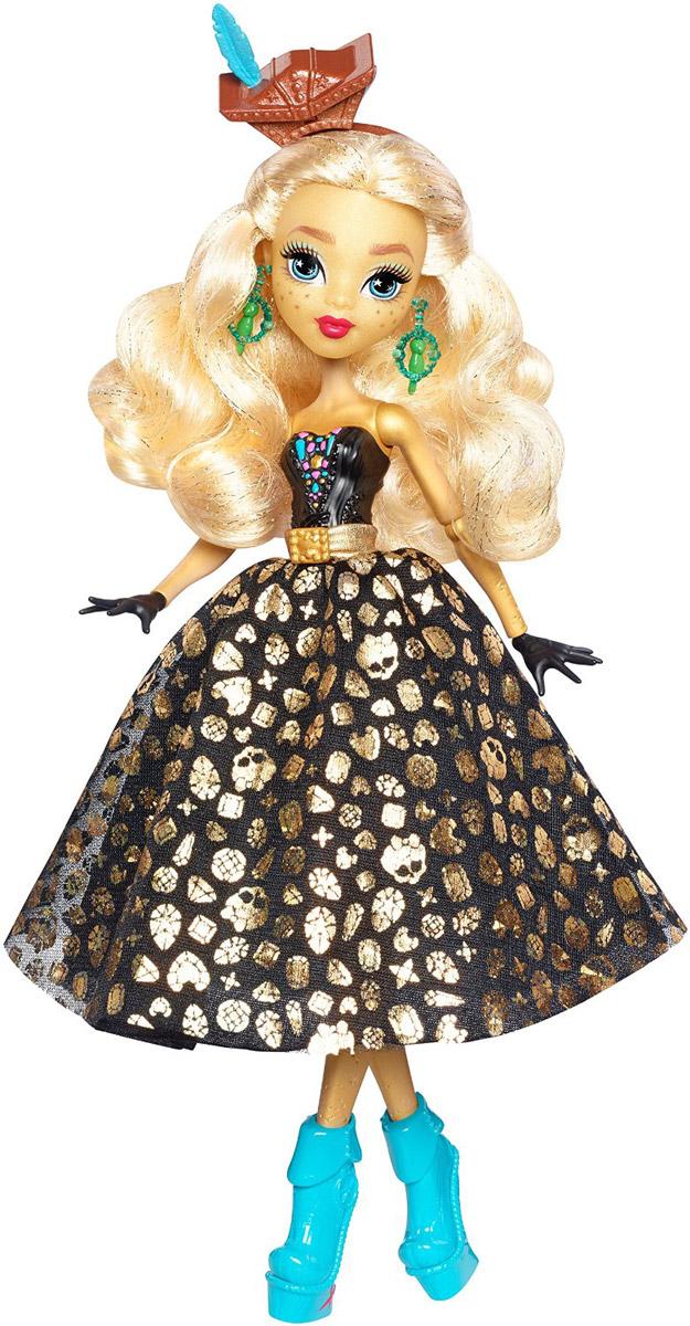 Monster High Кукла Дана Трежура ДжонсDTV93В новой серии Пиратская авантюра герои Monster High отправляются в опасное плавание вместе с новой подругой Dana Treasura Jones, дочерью пирата Дэйви Джонса. У шикарного платья куклы множество скрытых деталей. Потяните за юбку, и синяя шелковистая юбка с узором в виде карты пиратских сокровищ станет черной с золотистым принтом. Потяните за каблуки ее синих пиратских ботинок, и вы увидите золотые монеты. Длинные светлые волосы куклы можно расчесывать. В набор входит кукла в модном наряде с аксессуарами, включая юбку-трансформер, ободок и ботинки. Руки и ноги у куклы шарнирные, это позволяет придать разнообразные позы. Порадуйте поклонницу Монстер Хай удивительной новинкой в пиратском стиле, подарив ей эту замечательную куколку.