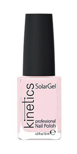 Kinetics Профессиональный лак SolarGel Polish, 15 мл, тон 200KNP200Новое поколение профессиональных гелевых лаков для ногтей, которые наносятся как обычный лак, а выглядят как гель. Ультра модные и классические цвета, поражают своей стойкостью и разнообразием оттенков. Стойкость до 10 дней, не требует специальной сушки в UV/LED лампе. Рекомендуется использовать с верхним покрытием SolarGel Top Coat