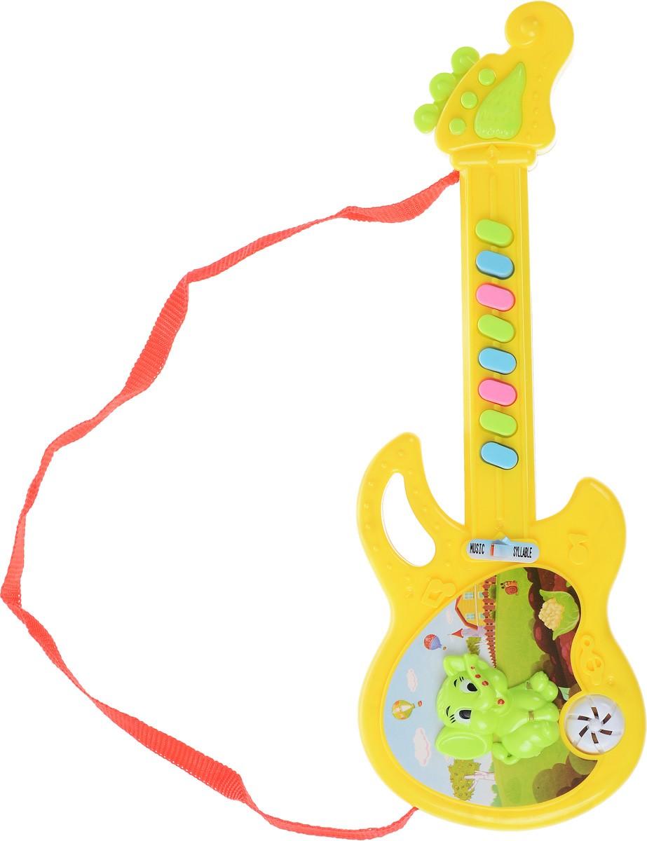 Shantou Гитара цвет белый желтыйT075-H29018Гитара Shantou представляет собой игрушечную копию настоящего музыкального инструмента, оснащенную звуковыми эффектами, которые сделают сюжетную сценку более реалистичной. Гитара оснащена текстильным ремешком и имеет 8 клавиш. В процессе игры у малыша развивается музыкальный слух, воображение, он учится различать звуки и знакомится с миром музыки. Игрушка изготовлена из прочного экологически чистого пластика, безопасна для здоровья ребенка. Необходимо купить 2 батарейки напряжением 1,5V типа АА (не входят в комплект).