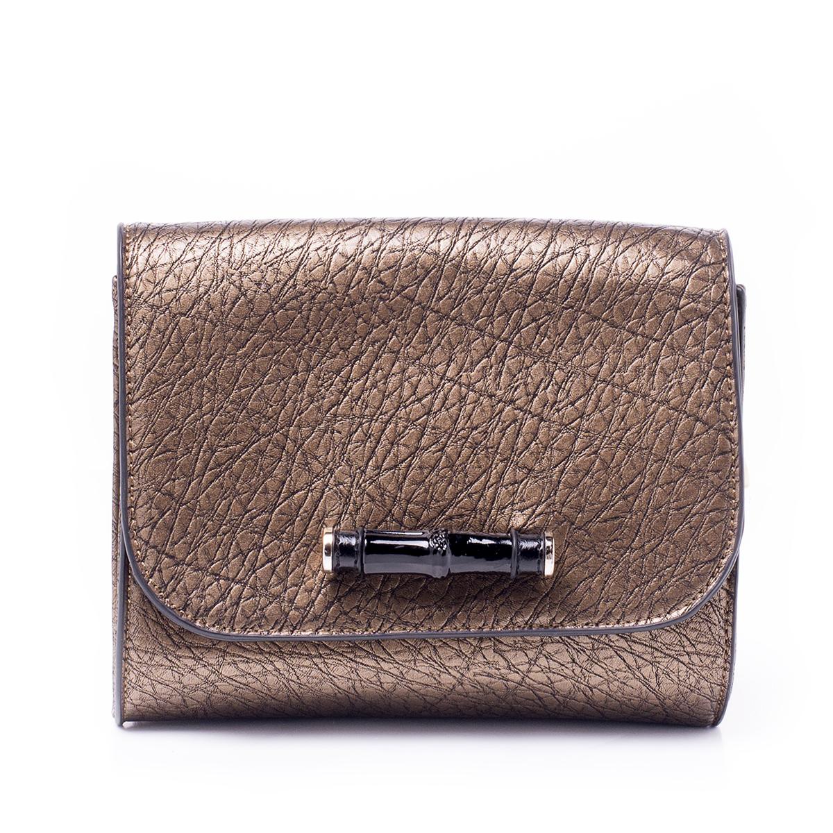Сумка женская Renee Kler, цвет: светло-коричневый. RK502-03RK502-03Стильная женская сумка Renee Kler выполнена из качественной искусственной кожи. Поверхность сумки выполнена с декоративным тиснением. Сумка имеет одно отделение и застегивается на молнию и клапан с магнитной кнопкой. Клапан дополнен крупным пластиковым элементом. Внутри отделения находится один врезной карман на застежке-молнии. Сумка оснащена съемным наплечным ремнем, который регулируется по длине.