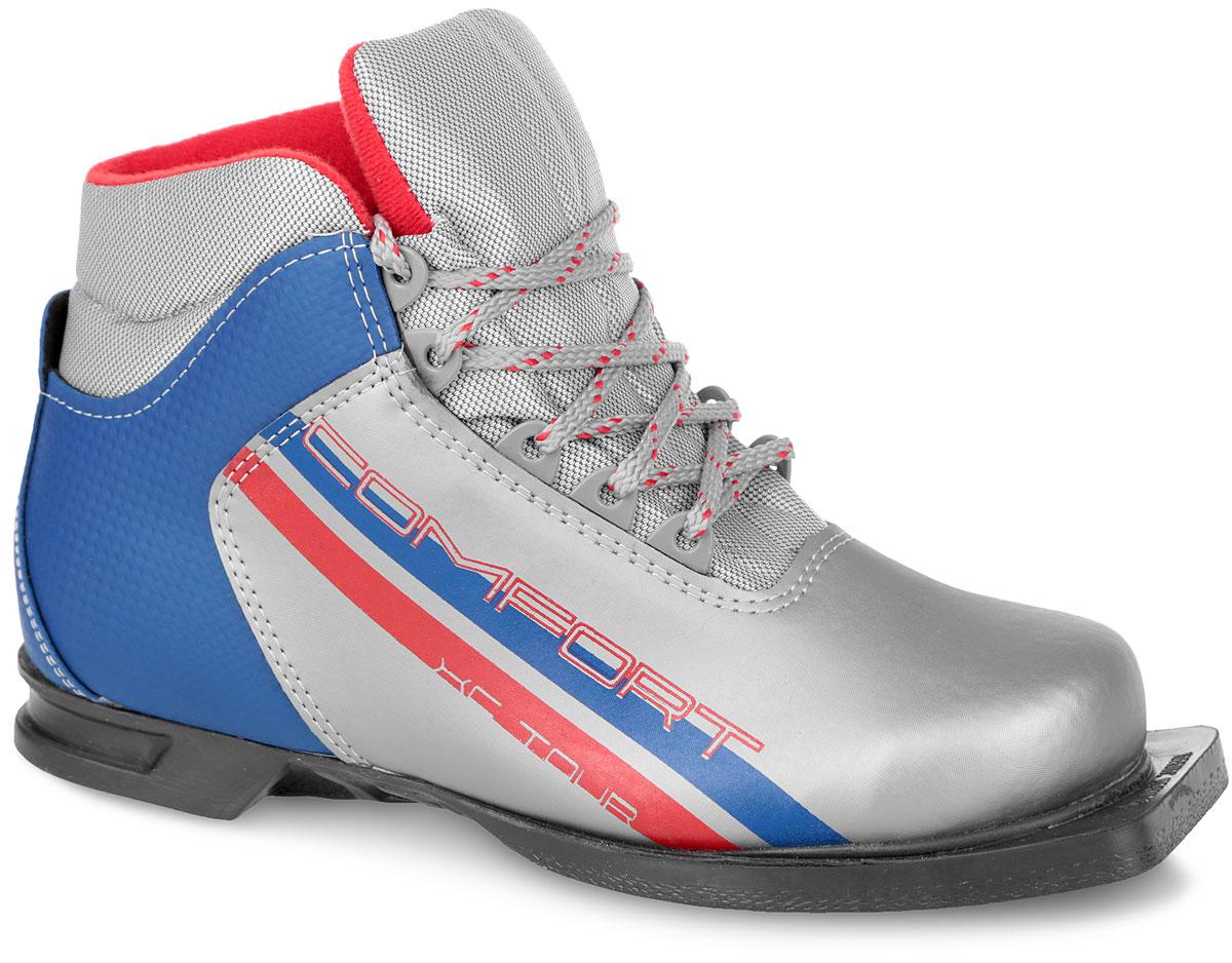 Ботинки лыжные Marax, цвет: серебряный, синий, красный. М350. Размер 44М350_серебряный, синий, красный_44Лыжные ботинки Marax предназначены для активного отдыха. Модель изготовлена из морозостойкой искусственной кожи и текстиля. Подкладка выполнена из искусственного меха и флиса, благодаря чему ваши ноги всегда будут в тепле. Шерстяная стелька комфортна при беге. Вставка на заднике обеспечивает дополнительную жесткость, позволяя дольше сохранять первоначальную форму ботинка и предотвращать натирание стопы. Ботинки снабжены шнуровкой с пластиковыми петлями и язычком-клапаном, который защищает от попадания снега и влаги. Подошва системы 75 мм из двухкомпонентной резины, является надежной и весьма простой системой крепежа и позволяет безбоязненно использовать ботинок до -25°С. В таких лыжных ботинках вам будет комфортно и уютно.