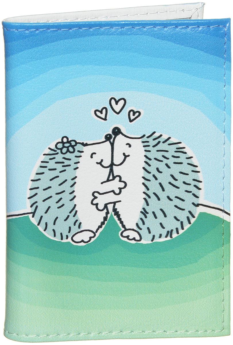Визитница Mitya Veselkov Влюбленные ежики, цвет: голубой, белый, зеленый. VIZIT279VIZIT-279Оригинальная визитница Mitya Veselkov Влюбленные ежики идеально подойдет для хранения визиток и пластиковых карт. Визитница изготовлена из натуральной мягкой кожи и оформлена оригинальным принтом с изображением двух ежиков. Внутри расположен съемный блок из 18 файлов, изготовленный из ПВХ. Стильная визитница подчеркнет вашу индивидуальность и станет замечательным подарком человеку, ценящему качественные и практичные вещи.
