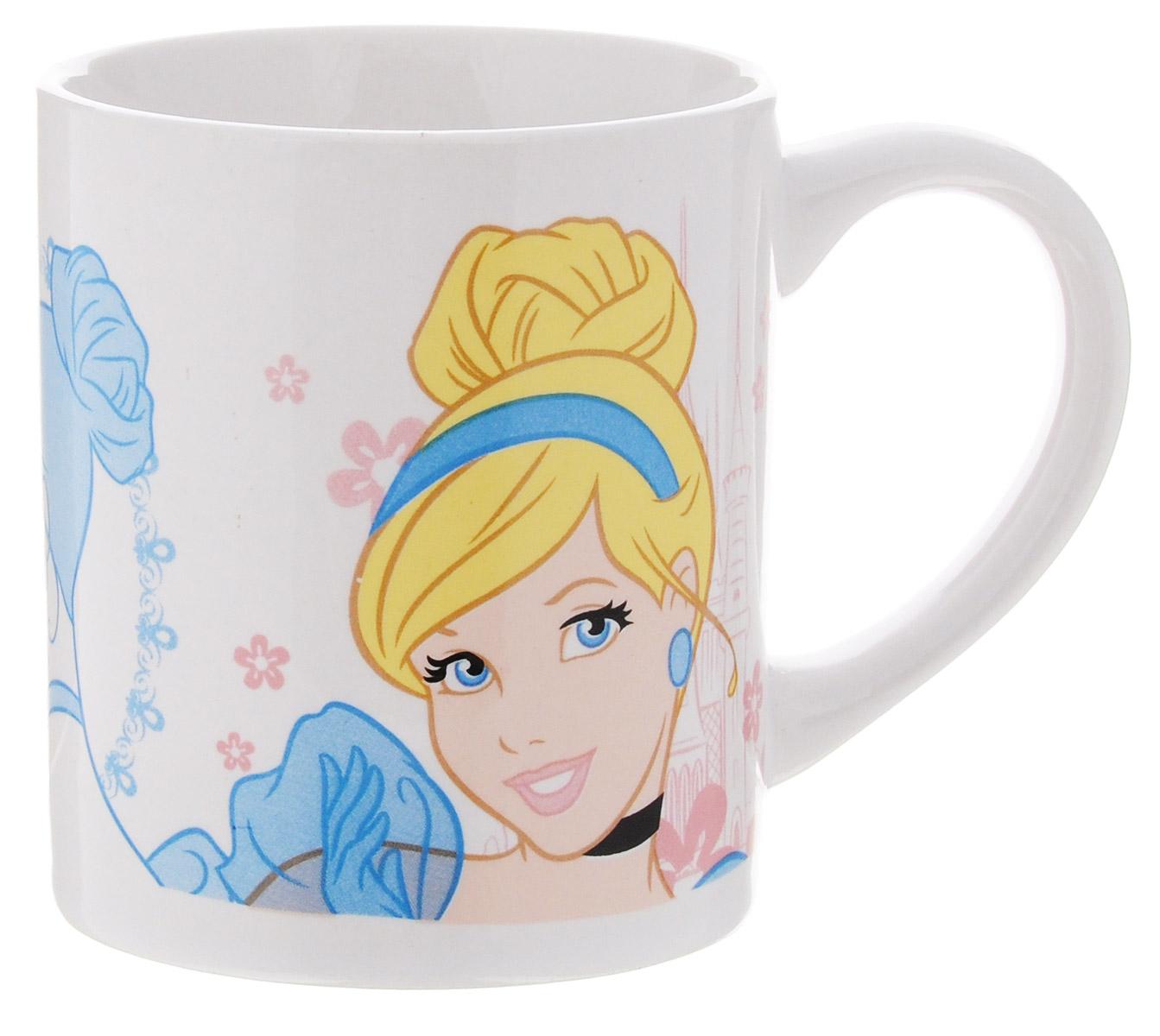 Disney Кружка детская Принцессы 210 мл70343Детская кружка Disney Принцессы с любимыми героями станет отличным подарком для вашего ребенка. Она выполнена из керамики и оформлена изображением диснеевской принцессы. Кружка дополнена удобной ручкой. Такой подарок станет не только приятным, но и практичным сувениром: кружка будет незаменимым атрибутом чаепития, а оригинальное оформление кружки добавит ярких эмоций и хорошего настроения. Можно использовать в СВЧ-печи и посудомоечной машине.