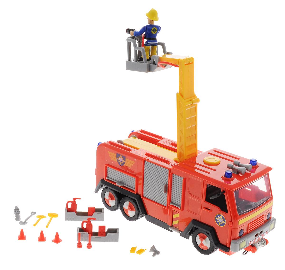 Simba Машинка Пожарный Сэм9251063Машинка Simba - главная пожарная машина из мультфильма Пожарный Сэм. Звук сирены и свет мигалок включаются нажатием одной кнопки. На подъемном механизме установлена водяная пушка, которая брызгает настоящей водой (вода заливается в специальный отсек). У машины открываются двери кабины и дверцы шкафчиков, в которых лежит пожарный инвентарь. Спереди машина оснащена лебедкой с крюком. В комплект входят фигурка пожарного Сэма и множество аксессуаров. С такой машиной день будет наполнен увлекательными и одновременно познавательными играми. Рекомендуется докупить 2 батарейки напряжением 1,5V типа АА (товар комплектуется демонстрационными).