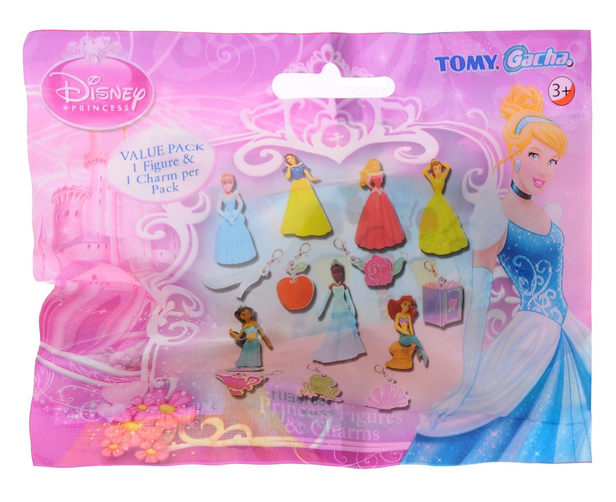 Tomy Фигурка Принцесса DisneyT88191EU1Замечательные фигурки Диснеевских принцесс порадуют юных поклонниц волшебных сказок великолепной детализацией и яркими красками. Каждая игрушка упакована в индивидуальный непрозрачный пакетик - вы не сможете узнать какая принцесса скрывается за упаковкой пока не вскроете пакет! В ассортименте семь любимых героинь мультфильмов: Золушка, русалочка Ариэль, Жасмин, Белоснежка, Белль, Аврора и темнокожая Тиана. Также в пакетике вы найдете приятный бонус - милый брелок для ключей, соответствующий каждой принцессе. Так к принцессе Жасмин прилагается брелочек в виде волшебной лампы Аладдина, а к Золушке - брелочек в виде хрустальной туфельки. Каждая игрушка продается отдельно!