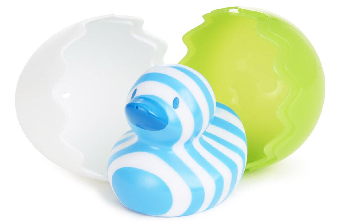 Munchkin Игрушка для ванной Утенок цвет зеленый белый12309_зеленый, белыйИгрушка для ванной Munchkin Утенок непременно понравится вашему малышу и превратит купание в веселую игру. Необычный утенок создан специально для самых маленьких. Он вылупляется из скорлупы, удивляя своей необычной расцветкой, и доставляет крохе массу удовольствия во время купания! Утенок брызгается водой. Скорлупками можно зачерпывать и переливать водичку. Игрушка развивает мелкую моторику. Миссия Munchkin, американской компании с 20-летней историей: избавить мир от надоевших и прозаических товаров, искать умные инновационные решения, которые превращают обыденные задачи в опыт, приносящий удовольствие. Понимая, что наибольшее значение в быту имеют именно мелочи, компания создает уникальные товары, которые помогают поддерживать порядок, организовывать пространство, облегчают уход за детьми - недаром компания имеет уже более 140 патентов и изобретений, используемых в создании ее неповторимой и оригинальной продукции. Munchkin делает жизнь...