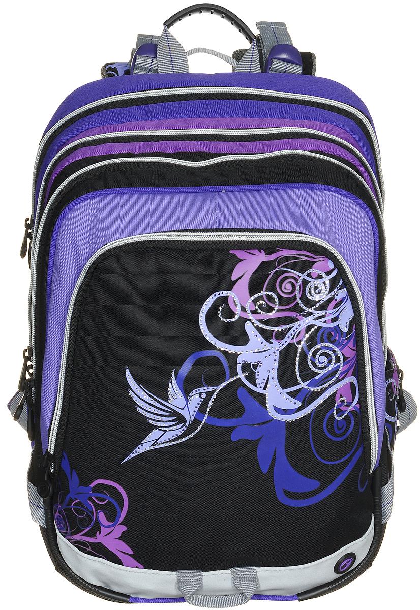 BagMaster Рюкзак детский с наполнением цвет черный фиолетовый 1 предметBM-S1A 0115 BДетский рюкзак BagMaster обязательно понравится вашей школьнице. Рюкзак выполнен из прочных и высококачественных материалов. Содержит три вместительных отделения, закрывающихся на застежки-молнии с двумя бегунками. Бегунки застежек дополнены удобными металлическими держателями. Внутри первого отделения находятся органайзер для канцелярских принадлежностей, карман-сетка на молнии, карман на липучке под мобильный телефон и лента с карабином для ключей. В двух других отделениях карманов нет. Лицевая сторона рюкзака оснащена накладным вместительным карманом на молнии, внутри которого располагается открытый карман. Рюкзак имеет один открытый боковой карман-сетка с вертикальной молнией. Специально разработанная архитектура спинки со стабилизирующими набивными элементами повторяет естественный изгиб позвоночника. Набивные элементы обеспечивают вентиляцию спины ребенка. Задняя часть спинки дополнена легкой алюминиевой рамкой, повторяющей контур позвоночника и снимающей нагрузку....