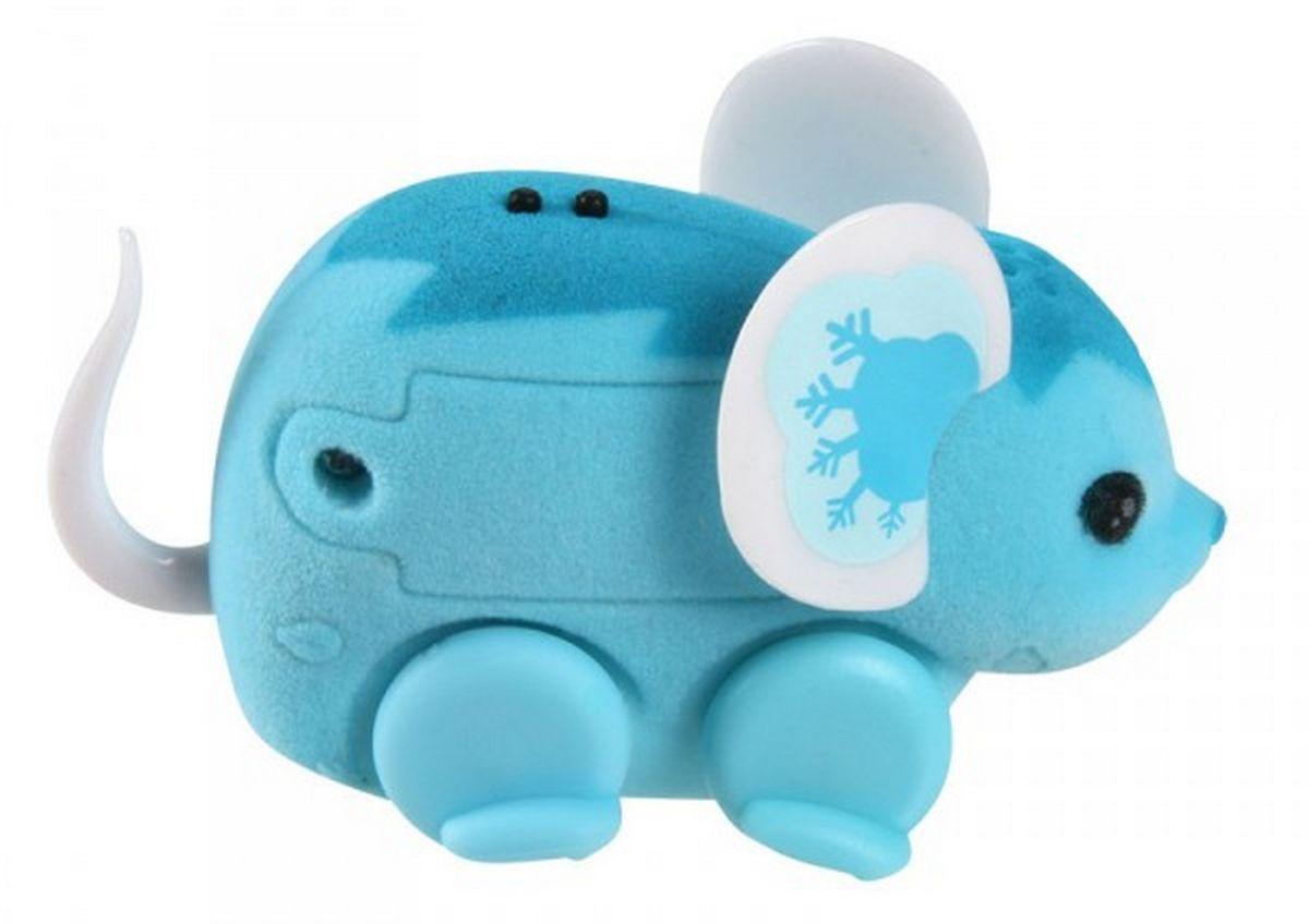 Little Live Pets Интерактивная игрушка Мышка цвет голубой28187/ast28135(28187,28188,28189,28190,28191,28192)Интерактивная игрушка Little Live Pet Мышка изготовлена из высокопрочного пластика, обтянутого флоком. Тело игрушки на ощупь напоминает настоящую шерстку мышонка. Вместо лапок у мышки - колесики. Благодаря колесам мышка легко и быстро передвигается, разворачивается по кругу. Если мышка засыпает, ее нужно погладить по спинке. Там у нее расположен сенсор. Кнопка включения расположена на месте рта. Мышка умеет издавать звуки, похожие на настоящий писк и фырканье. Игрушка развивает внимательность, фантазию и мелкую моторику. Рекомендовано для детей от 5 лет. Для работы требуются 3 батарейки типа AG13 (LR44) (комплектуется демонстрационными).