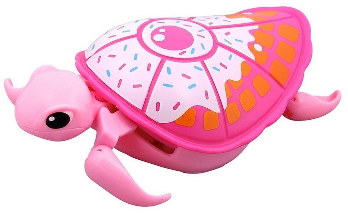 Little Live Pets Интерактивная игрушка Черепашка цвет розовый белый28255/ast28181(28252,28253,28254,28255)Интерактивная черепашка Little Live Pets порадует вас ярким видом и забавными движениями. На брюшке черепахи находится кнопка для включения-выключения игрушки. Питомец отлично ползает по суше и плавает в воде. При движении черепашка передвигает ластами и шевелит головой словно настоящая. Купание с питомцем обязательно вызовет у ребенка неподдельный восторг, даже такое нелюбимое занятие как мытье головы пройдет незамеченным. Не рекомендуется играть с черепашкой в морской воде и на песке. Для работы требуется 1 батарейка типа AАА (не входит в комплект).