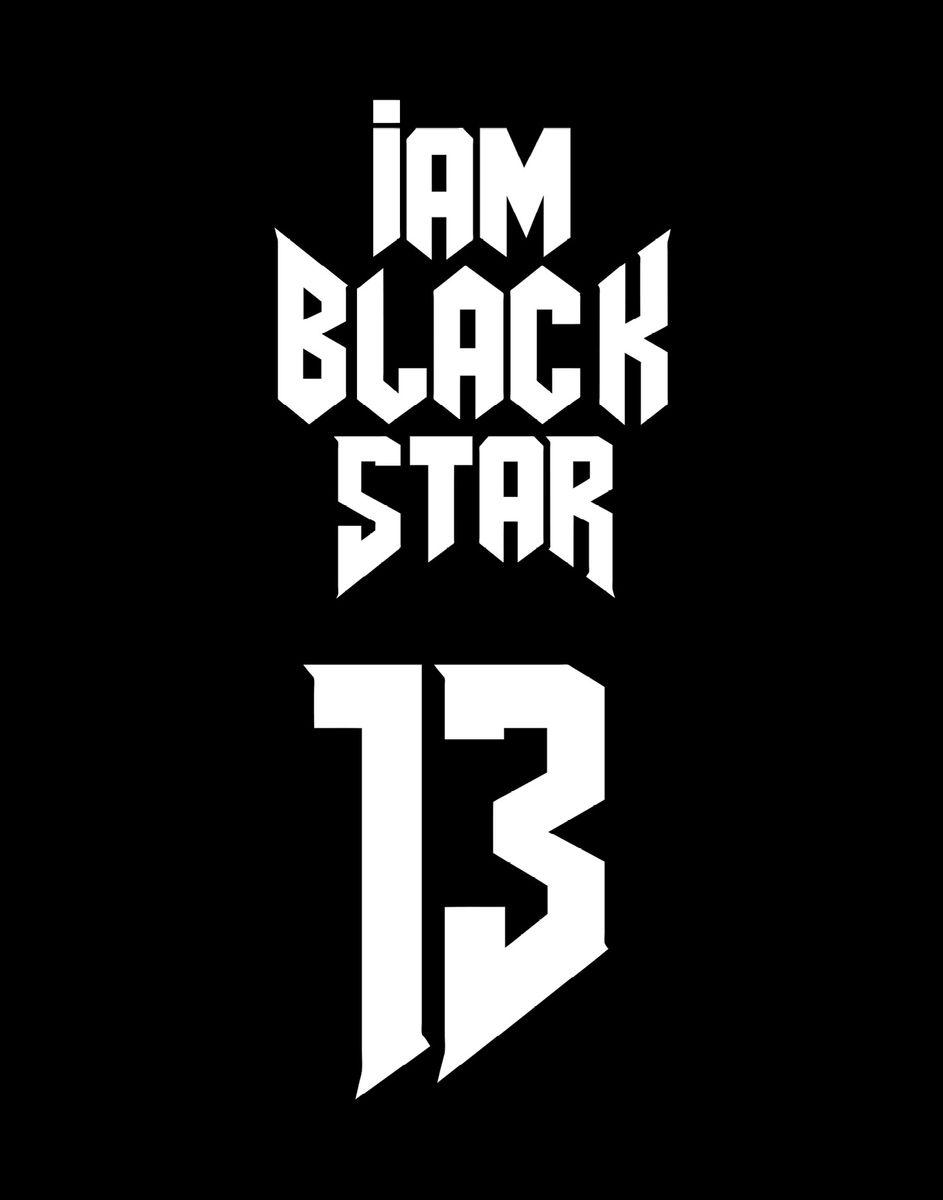 Black Star Тетрадь Black Star 13 48 листов в клетку978-5-699-91059-5Тетрадь I Am Black Star 13 - одна из 4-х черных тетрадок официальной коллекции с эксклюзивным дизайном. Дерзкий и одновременно лаконичный дизайн для тех, кто не боится бросать вызов и уверен в себе. Обложка, выполненная из картона, позволит сохранить тетрадь в аккуратном состоянии на протяжении всего времени использования. Внутренний блок тетради, соединенный двумя металлическими скрепками, состоит из 48 листов белой бумаги. Стандартная линовка в клетку дополнена полями.