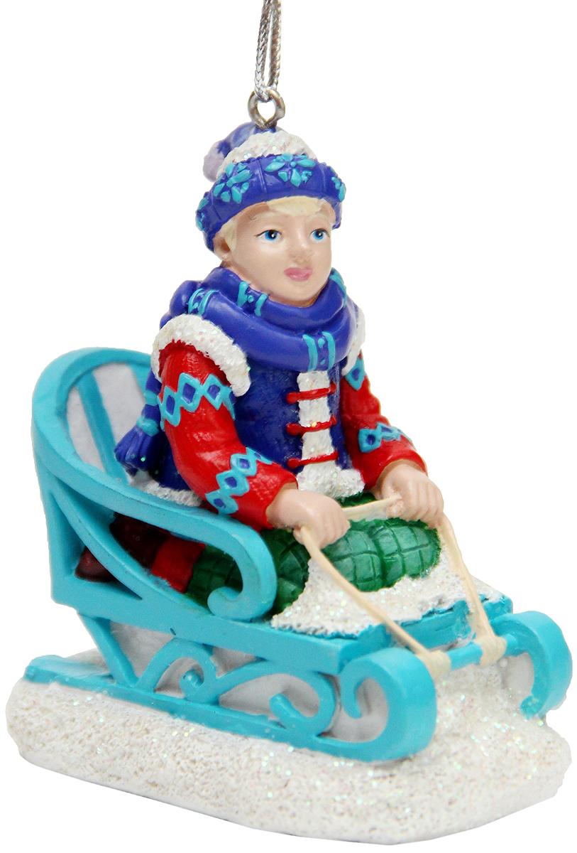 Украшение новогоднее подвесное Феникс-Презент Кай, 6,7 x 4,4 x 7,8 см42176Новогоднее подвесное украшение Феникс-Презент Кай выполнено из полирезины в виде Кая на санях. С помощью специальной петельки украшение можно повесить в любом понравившемся вам месте. Но, конечно, удачнее всего оно будет смотреться на праздничной елке. Елочная игрушка - символ Нового года. Она несет в себе волшебство и красоту праздника. Создайте в своем доме атмосферу веселья и радости, украшая новогоднюю елку нарядными игрушками, которые будут из года в год накапливать теплоту воспоминаний.