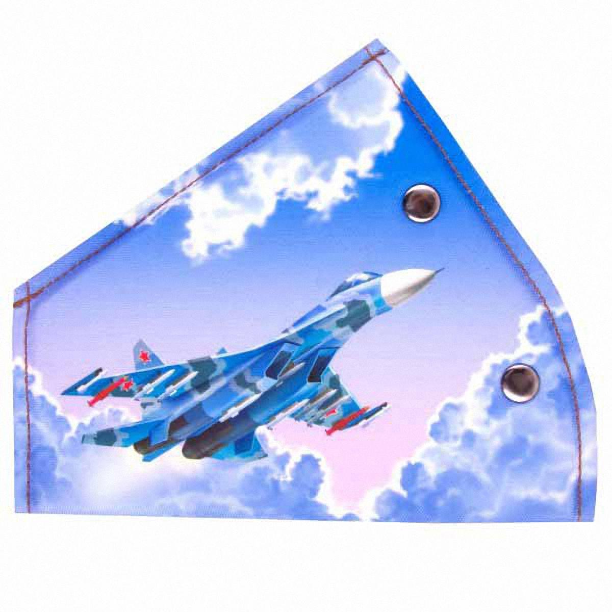 Адаптер ремня безопасности Skyway СамолетS04007001Детский адаптер ремня безопасности, изготовленный из полиэстера и декорированный красочным рисунком, удерживает ремень безопасности в положении, удобном для человека небольшого роста. Удерживающее устройство можно установить на любой трёхточечный ремень безопасности. Подходит для ремней безопасности как слева, так и справа. При перевозке ребёнка до 12 лет адаптер ремня безопасности разрешено устанавливать только на ремни заднего сиденья. Адаптер прост в установке, легко фиксируется при помощи быстрозастегивающегося крепления. Изделие уменьшает давление ремней на тело ребёнка, удаляет ремень от лица ребенка, обеспечивая ему комфорт во время поездок. Тип крепления: кнопки.