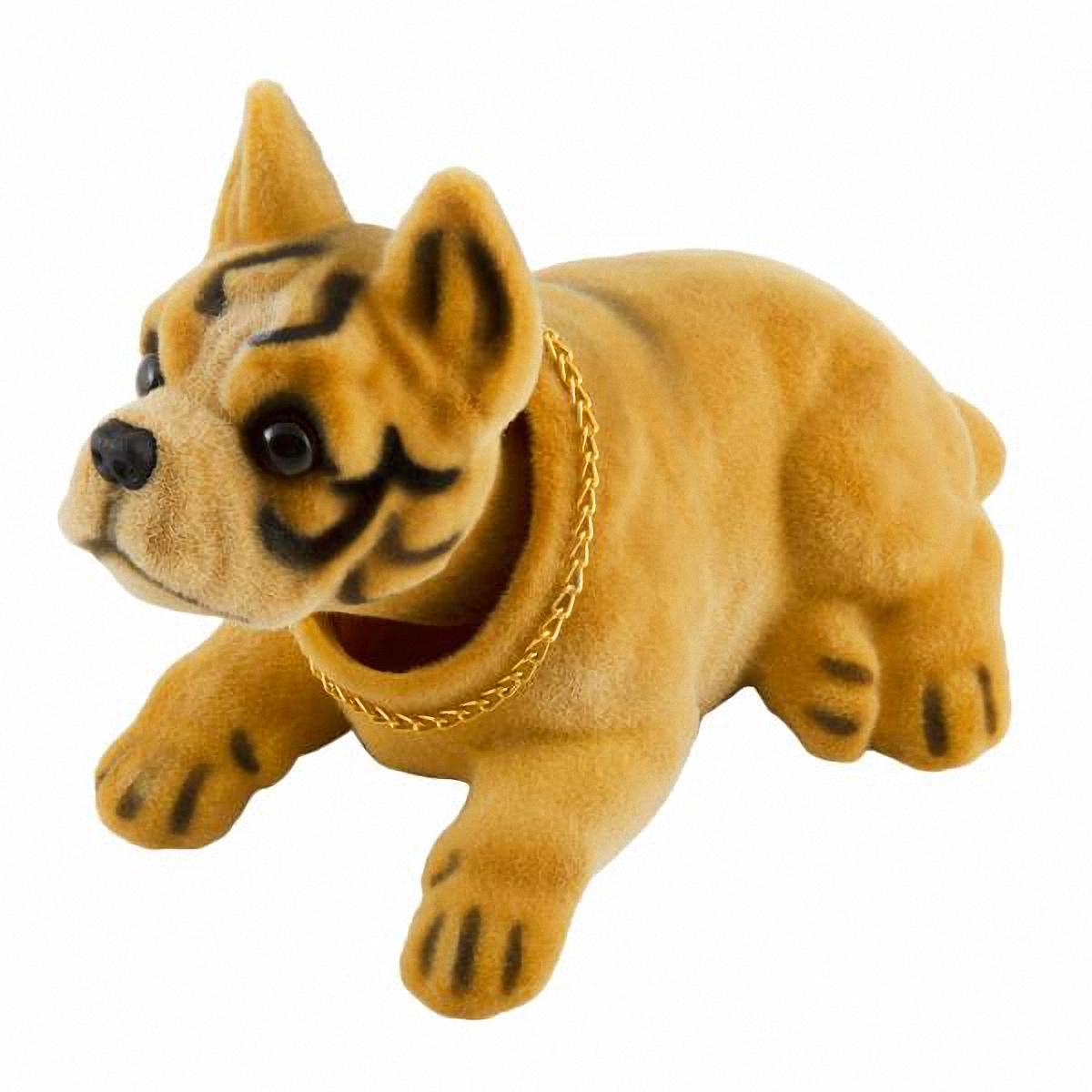 Ароматизатор воздуха автомобильный Skyway Боксер, яблокоS04201011Фигурка собаки с освежителем Яблоко легко крепится на панель и украшает интерьер салона автомобиля. Яблочный аромат освежителя, входящий в комплект, наполняет салон приятным благоуханием и устраняет все неприятные запахи. Благодаря своей текстуре, освежитель менее летуч и не испарится в жаркое время года, поэтому вы сможете наслаждаться понравившимся ароматом длительное время. Освежитель располагается в игрушке, внутри она пустотелая. Особенности игрушки: Качает головой во время движения автомобиля. Работает без батареек и солнечной энергии. Простая и быстрая установка в салоне вашего автомобиля с помощью клейкой ленты. Внимание: Не устанавливайте игрушку в местах срабатывания подушек безопасности. Беречь от детей и животных. Материал: синтетическая смола. Комплектация: освежитель, клейкая лента, игрушка.