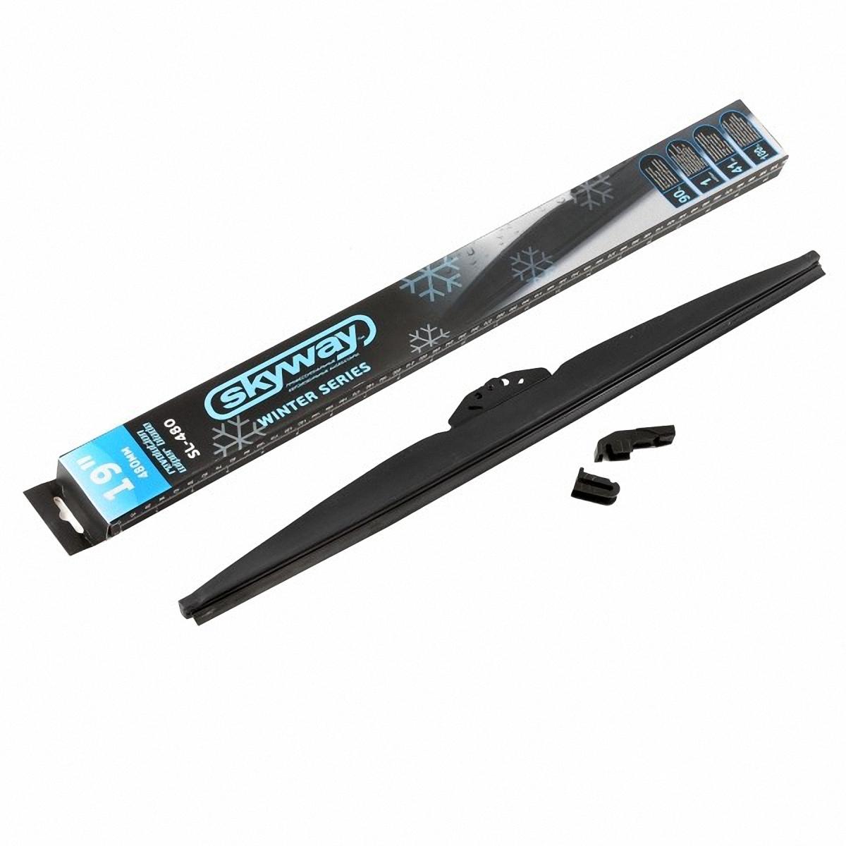Щетка стеклоочистителя Skyway, каркасная, зимняя, 48 см/19SL-480Особенность зимних щеток стеклоочистителя в специальном составе резины, которая содержит оксид кремния и графит. Такой состав предохраняет ее от замерзания, а шарниры, скрепляющие резину, не примерзают и не теряют подвижности. Они плотно прилегают к стеклу, легко очищая поверхность и делая ее кристально чистой. Благодаря щадящему очищению, стеклам вашего автомобиля не страшны царапины. Особенности: Специальное антифризное резиновое покрытие, разработанное по японской технологии, покрывает всю щётку, защищая её от холодной зимы. Благодаря простоте установки адаптера, 90 % чистящей поверхности дворника остаётся рабочей даже на высокой скорости. Благодаря высокой технологии изготовления и высокого уровня качества материала, дворники обеспечивают большую производительность, которая гарантирует до 1 миллиона циклов очистки. Благодаря графитовой поверхности и высоким технологиям, снизились шумовые потоки до 41 Дб, что намного ниже, чем у других дворников.
