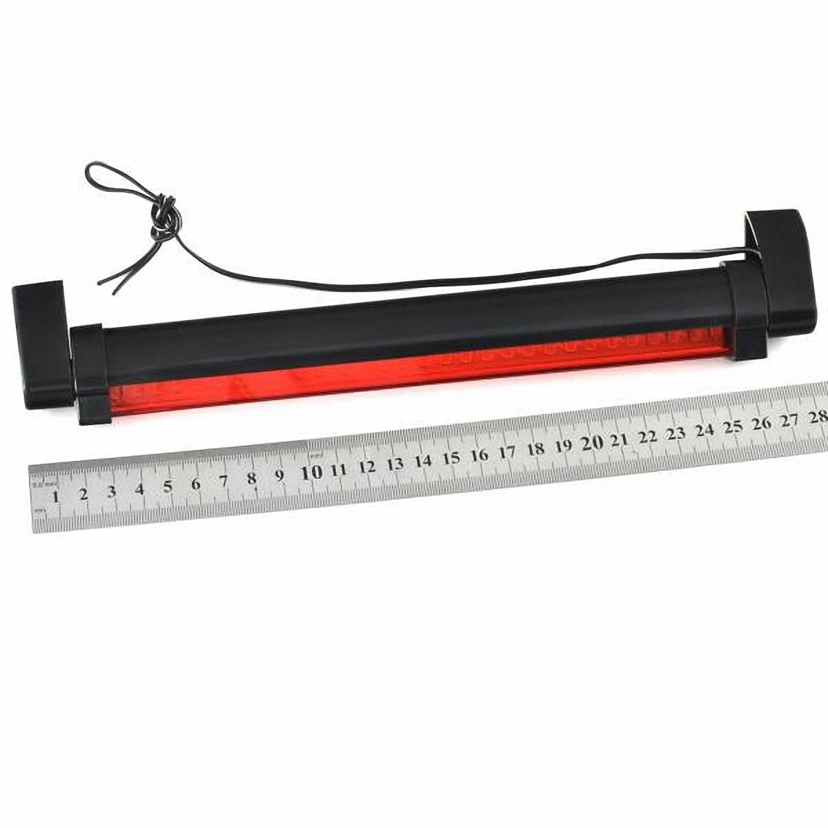 Стоп-сигнал дополнительный Skyway, 32 светодиодаSTB-32LEDBДополнительный светодиодный стоп-сигнал устанавливается в штатное место крышки багажника. Он дублирует основные стоп-сигналы, что положительно сказывается на безопасности движения. Корпус затонирован, но при этом не влияет на светотехнические характеристики стоп-сигнала. В отличие от обычных ламп накаливания, светодиоды служат в несколько раз дольше, кроме того обеспечивая более высокую яркость свечения. Установка не требует специальных навыков и может быть осуществлена своими силами. Преимущества: -простота установки -повышение активной безопасности движения -продолжительный срок службы Напряжение: 12В.