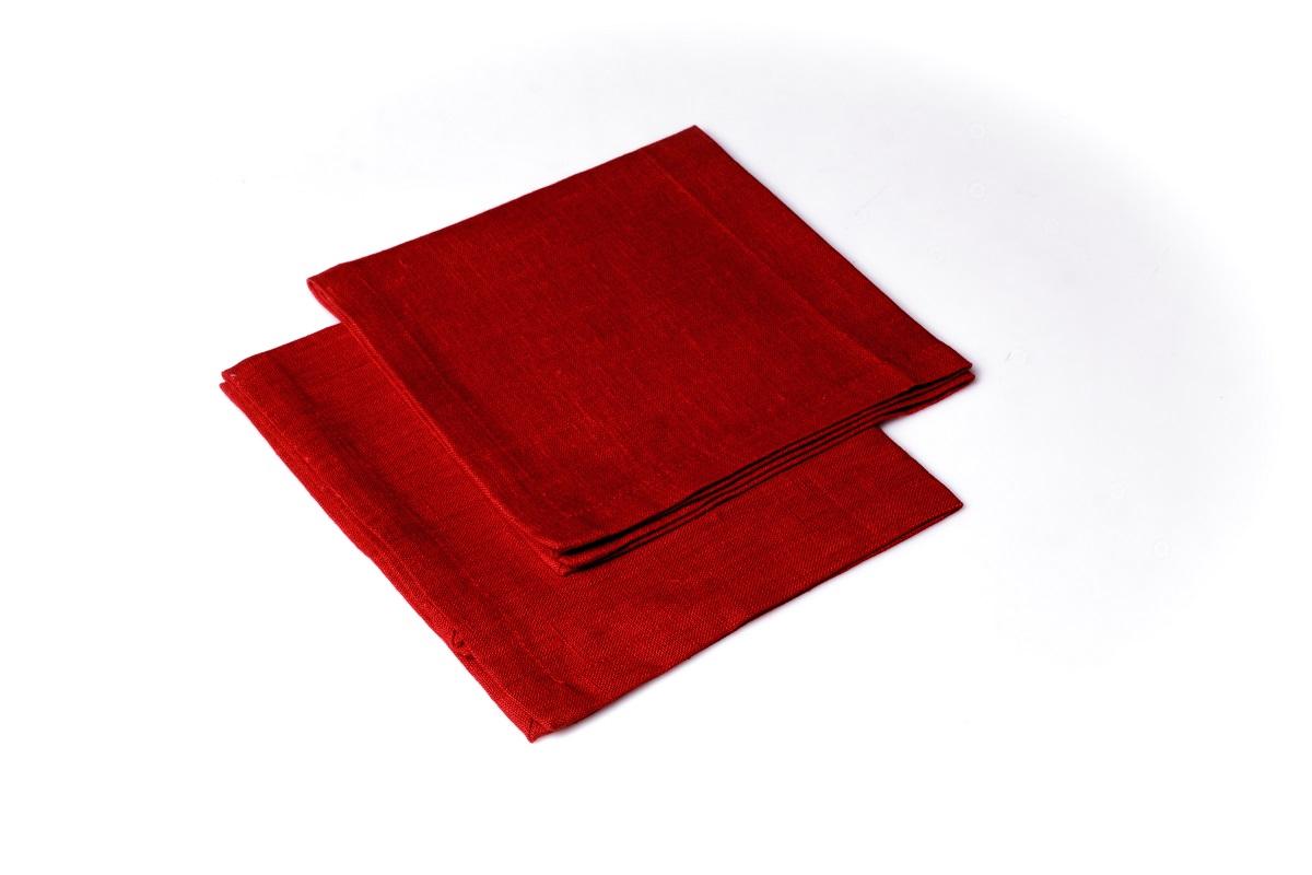 Салфетка сервировочная Гаврилов-Ямский Лен, 42x42 см. 10со289910со2899Сервировочная салфетка из натурального льна. Лён - поистине, уникальный природный материал, экологичнее которого сложно придумать. История льна восходит к Древнему Египту: в те времена одежда из льна считалась достойной фараонов! На Руси лён возделывали с незапамятных времен - изделия из льняной ткани считались показателем достатка, а льняная одежда служила символом невинности и нравственной частоты. Изделия из льна обладают уникальными потребительскими свойствами: льняное постельное белье даст вам ощущение прохлады в жаркую ночь и согреет в холода, скатерти из натурального льна придадут вашему дому уют и тепло натурального материала, а льняные полотенца порадуют вас невероятно долгим сроком службы на вашей кухне!