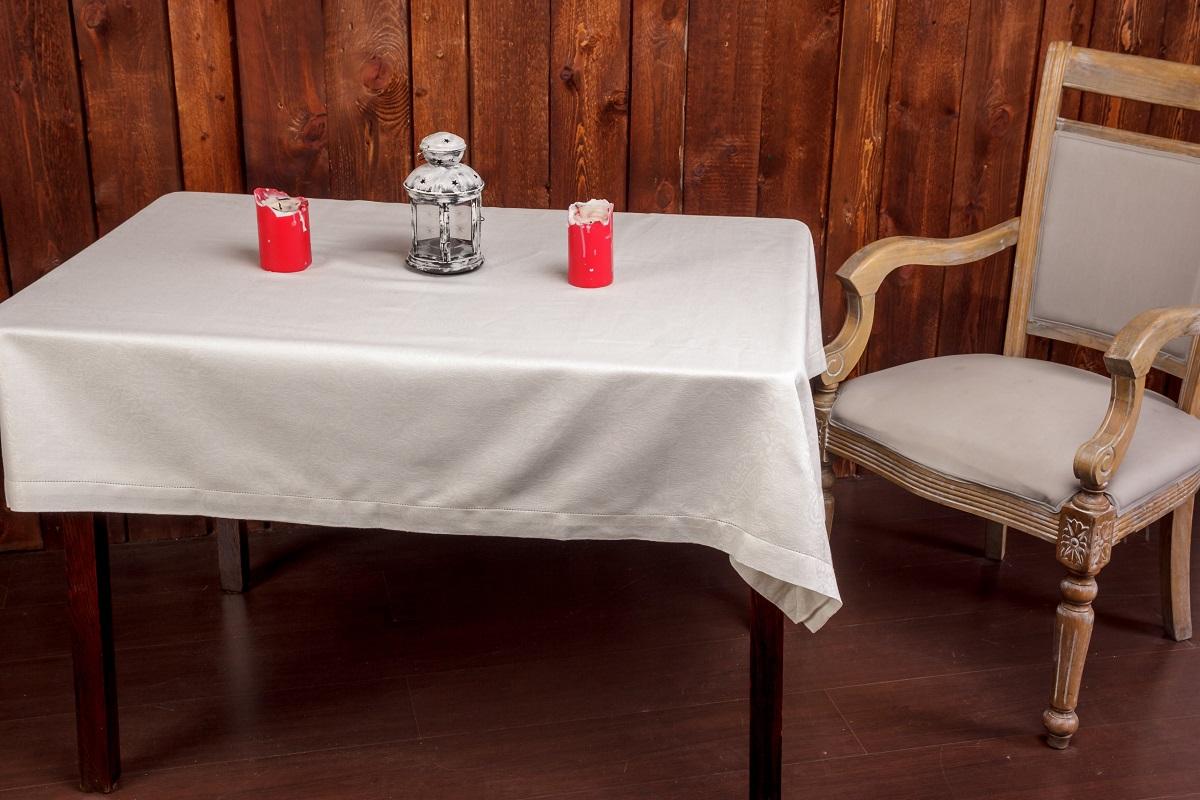 Скатерть Гаврилов-Ямский Лен, 160x250 см. 1со5974-11со5974-1Роскошная белая жаккардовая скатерть из льна и хлопка. Ажурная отделка по краю. Лён - поистине, уникальный природный материал, экологичнее которого сложно придумать. История льна восходит к Древнему Египту: в те времена одежда из льна считалась достойной фараонов! На Руси лён возделывали с незапамятных времен - изделия из льняной ткани считались показателем достатка, а льняная одежда служила символом невинности и нравственной частоты. Изделия из льна обладают уникальными потребительскими свойствами: льняное постельное белье даст вам ощущение прохлады в жаркую ночь и согреет в холода, скатерти из натурального льна придадут вашему дому уют и тепло натурального материала, а льняные полотенца порадуют вас невероятно долгим сроком службы на вашей кухне!