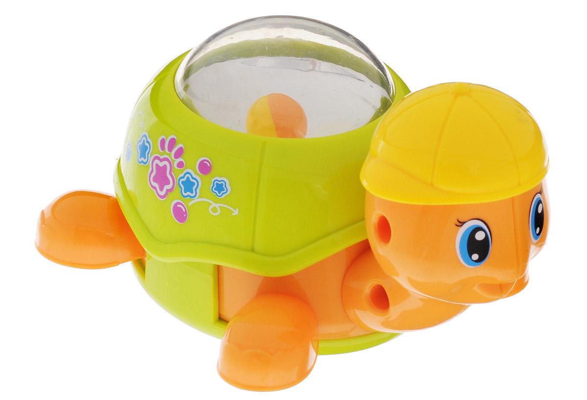 Huile Toys Заводная машинка-зверюшка Черепашка цвет светло-зеленый559_зеленыйЗаводная машинка-зверюшка Huile Toys Черепашка привлечет внимание вашего малыша и не позволит ему скучать! Выполненная из безопасного пластика с металлическими элементами, игрушка представляет собой забавную черепашку в бейсболке. Для запуска игрушки, придерживая колеса, поверните заводной ключ по часовой стрелке до упора. Установите игрушку на ровную поверхность - она поедет вперед. В панцире черепашки находится прозрачная сфера с движущимся в ней шариком. Игра с заводными игрушками способствует приятному времяпрепровождению, стимулирует ребенка к активным действиям, обучает устанавливать причинно-следственные связи. Игрушка помогает развитию тактильных ощущений и моторики пальчиков, а яркие цвета и забавные формы стимулируют зрение.
