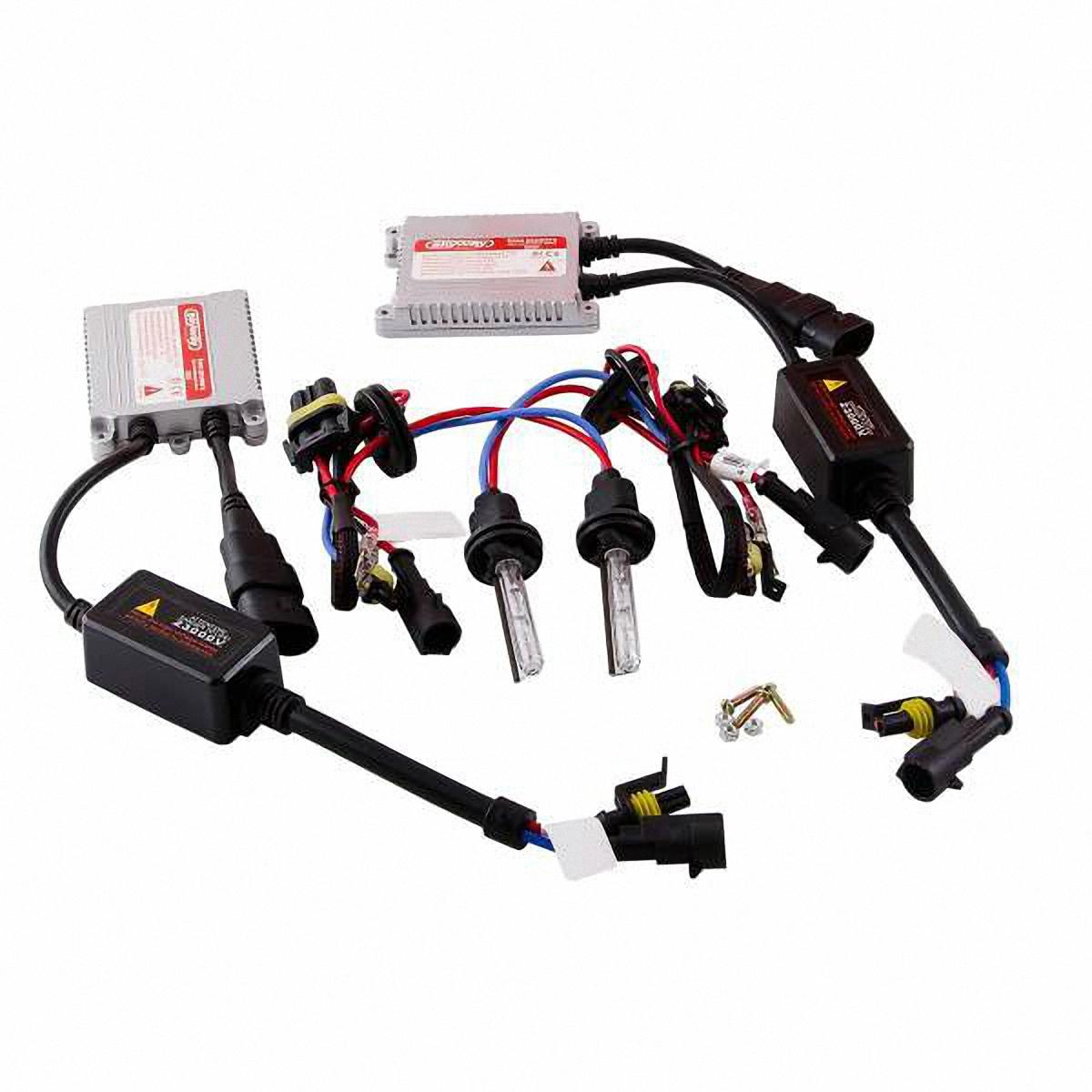 Лампа автомобильная Skyway, биксенон, цоколь H4, 35 Вт, 12 В, 2 шт. SH4 H/L 6000K D13 12V35WSH4 H/L 6000K D13 12V35WДанная биксеноновая лампа под цоколь H4 применяется в автомобилях со световой системой, в которой в одной лампе совмещены ближний и дальний свет (в одной лампе 2 спирали). Автолампа биксенон SKYWAY устойчива к тряскам, имеет продолжительный срок эксплуатации. За счет лучшего освещения дорожной разметки и дорожных знаков, вы будете чувствовать себя уверенно в плохих погодных условиях и в темное время суток. А мягкий бело-желтый свет лампы не ослепляет водителей встречного потока автомобилей. Особенности: Защита от короткого замыкания, перенапряжения, низкого напряжения Комплект предназначен для установки в посадочные места галогеновых автомобильных ламп Упрощенная инсталляция на любой автомобиль без замены штатной проводки Колба лампы изготовлена из кварцевого стекла Водонепроницаемый корпус Короткое время розжига Характеристики: Цветовая температура: 6000К Цоколь: Н4 Мощность: 35 Вт ...