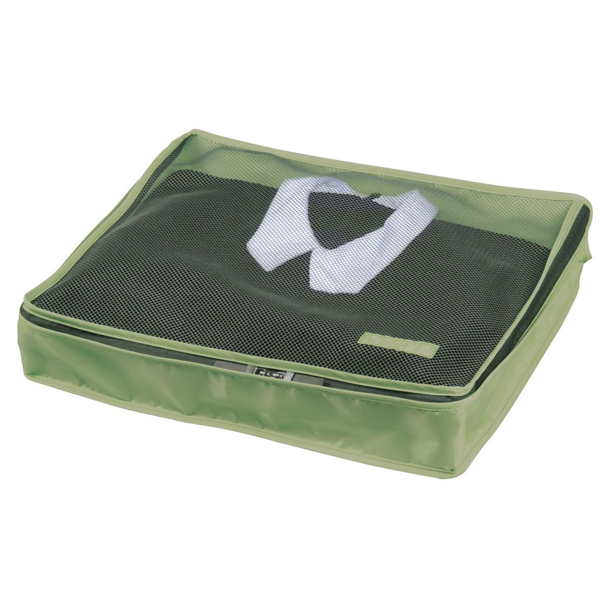 Органайзер для одежды Miolla, цвет: темно-зеленый, 45 х 35 х 8,5 смSO00386GОрганайзер для одежды Miolla изготовлен из полиэстера с водоотталкивающей поверхностью. Изделие сверху имеет сетку, благодаря чему происходит естественная циркуляция воздуха. Предназначен для хранения легкой одежды - маек, футболок, рубашек, нижнего белья и кофточек. Органайзер закрывается на молнию по всему периметру. Незаменимый аксессуар для путешествий, переездов и домашнего хранения. Невероятно компактный органайзер занимает минимум пространства, но способен вместить все необходимое.