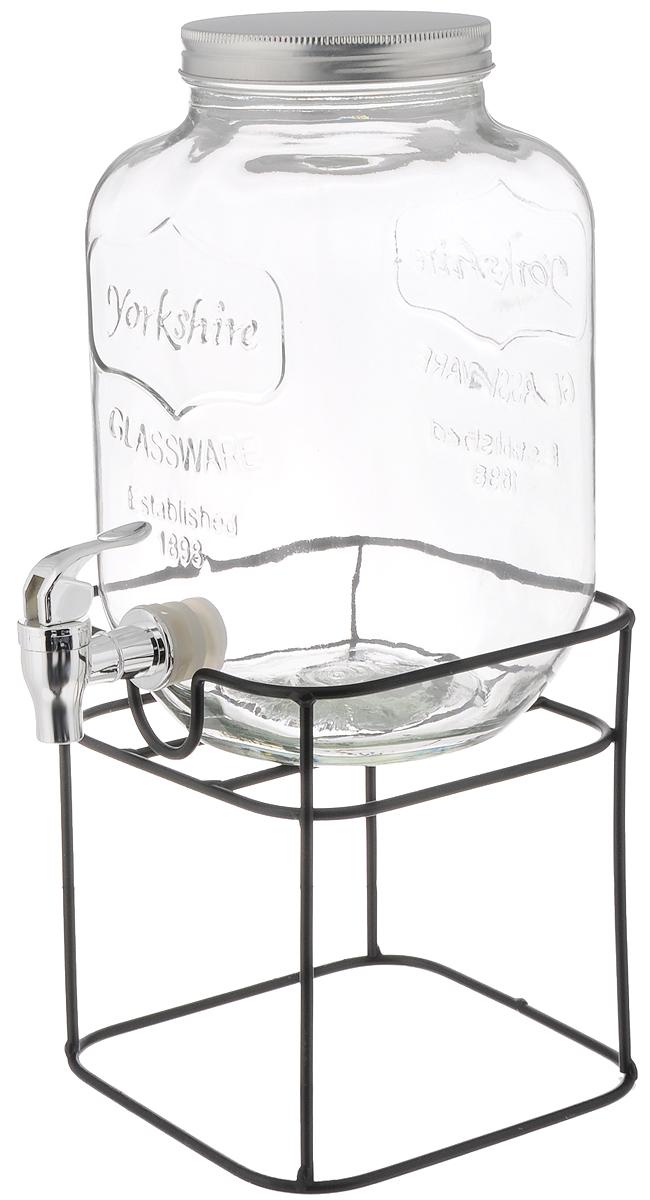 Емкость для напитков Феникс-Презент, с краником, с подставкой, 4 л42585Емкость для напитков Феникс-Презент изготовлена из прочного стекла. Внешние стенки оформлены рельефом в виде надписи: Glassware. Established 1898. Изделие снабжено металлической крышкой и пластиковым краником для удобного наливания напитков. Емкость достаточно вместительна, идеальна для воды, сока, кваса и многого другого. Пригодится дома, на даче или на пикнике. В комплект входит металлическая подставка. Диаметр (по верхнему краю): 10,5 см. Высота емкости: 26 см. Размер подставки: 17 х 17 х 18,5 см.