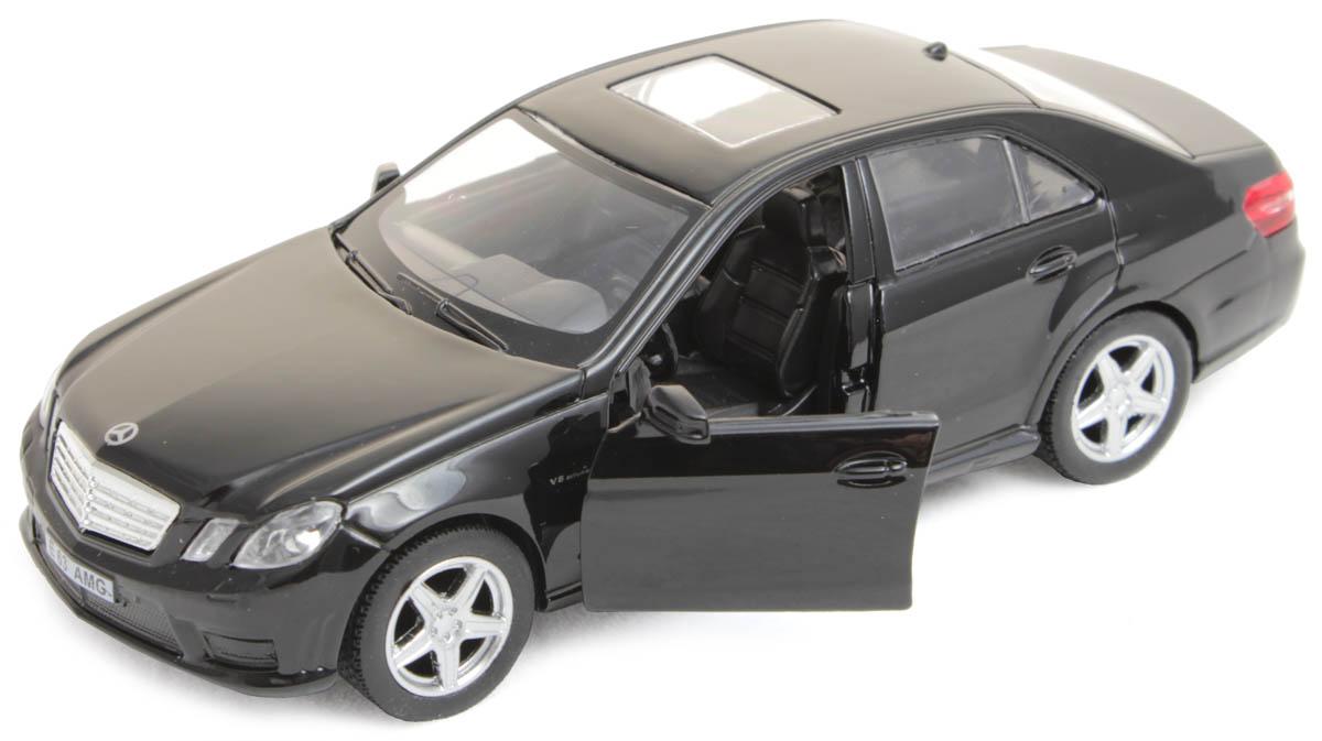 Рыжий Кот Модель автомобиля Mercedes Benz E63И-1225Игрушка представлена в масштабе 1:32 и является копией настоящего авто. Поэтому с такой машинкой можно не только играть, но и сделать её частью автомобильной коллекции. У данной модели открываются передние двери! Рекомендована для детей от 3 лет. Цвет: глянцевый белый, черный.