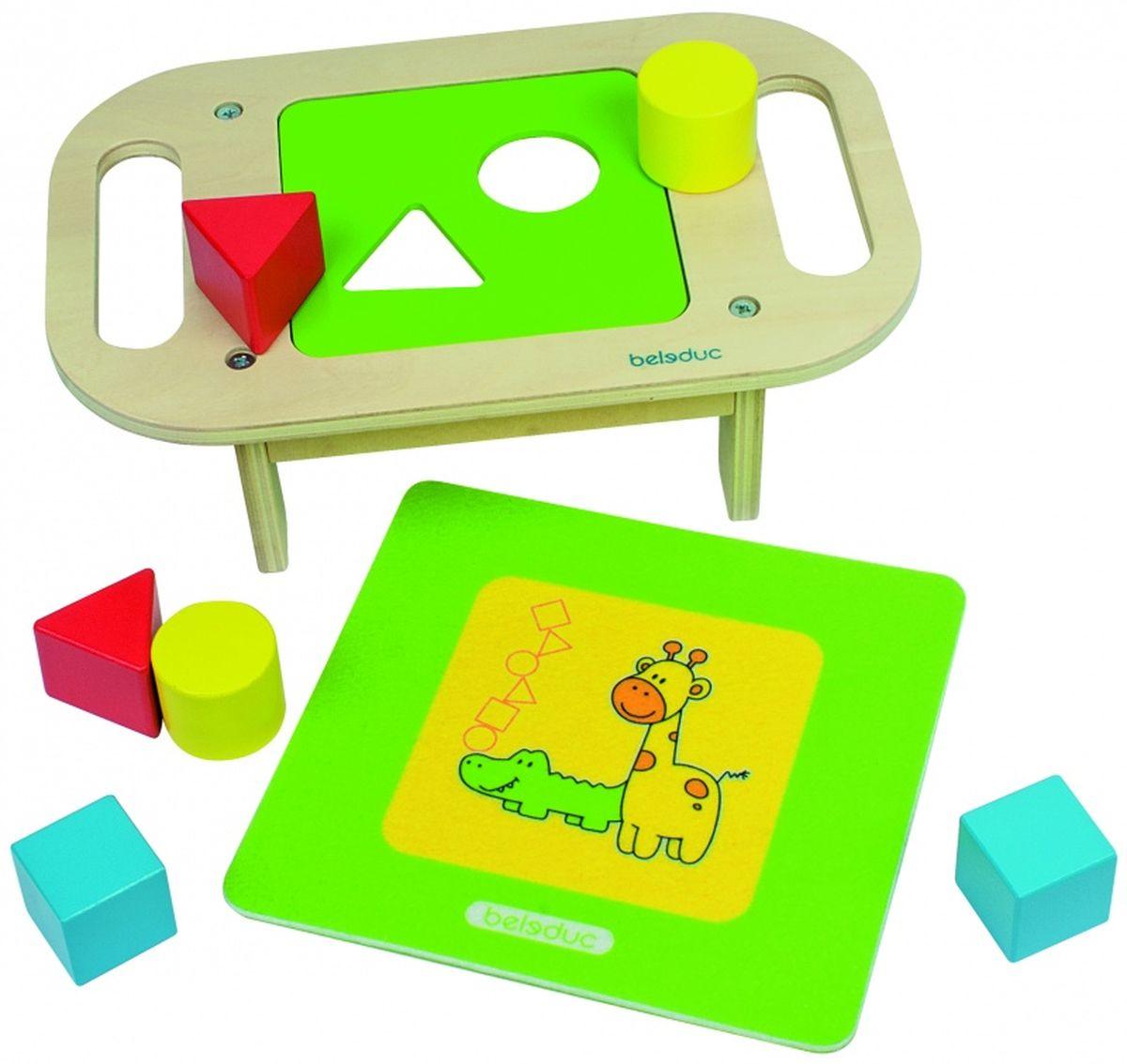 Beleduc Столик-сортер18005Развивающая игра деревянная для малышей. Развиваем ручки! Данная игра поможет ребенку найти для каждой фигурки свое место, а также научит различать основные формы. На выбор предлагается семь различных деревянных панелей с отверстиями в виде геометрических форм. Панели имеют от 1 до 3-х отверстий. Чем больше отверстий на панели, тем сложнее уровень. В игре 3 уровня сложности: легкий, средний и продвинутый. Игра развивает мелкую моторику и зрительно-моторную координацию, а также помогает ребенку изучить формы и цвета.