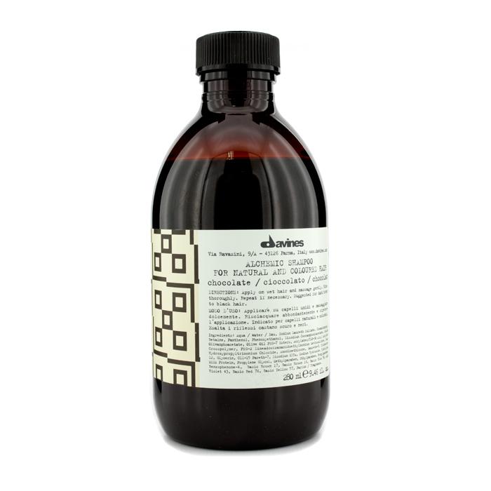 Davines Шампунь Алхимик для натуральных и окрашенных волос Alchemic Shampoo for natural and coloured hair, тон chocolate (шоколад), 280 мл67215Шампунь разработан для волос оттеночный. Он бережно очищает, питая волосы и усиливая их блеск и яркость. В состав средства входят витамины, ухаживающие компоненты и молочные протеины, которые увлажняют волосы, поддерживают их естественную красоту и здоровье. Эффективность шампуня усиливается при совместном использовании медного кондиционера «Алхимик» для окрашенных и натуральных волос.