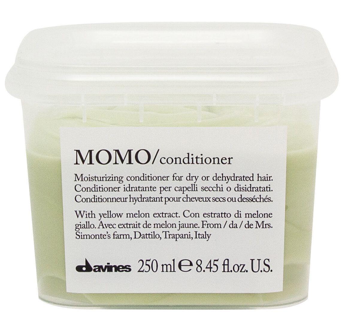 Davines Увлажняющий кондиционер, облегчающий расчесывание волос Essential Haircare New Momo Conditioner, 250 мл75015Специальная серия для сухих и обезвоженных волос. Натуральный экстракт желтой дыни насыщает волосы витаминами, минеральными солями. Волосы увлажнены надолго. Нормализуется функционирование кожи головы. Приятный свежий аромат успокаивает и настраивает на позитивный лад.