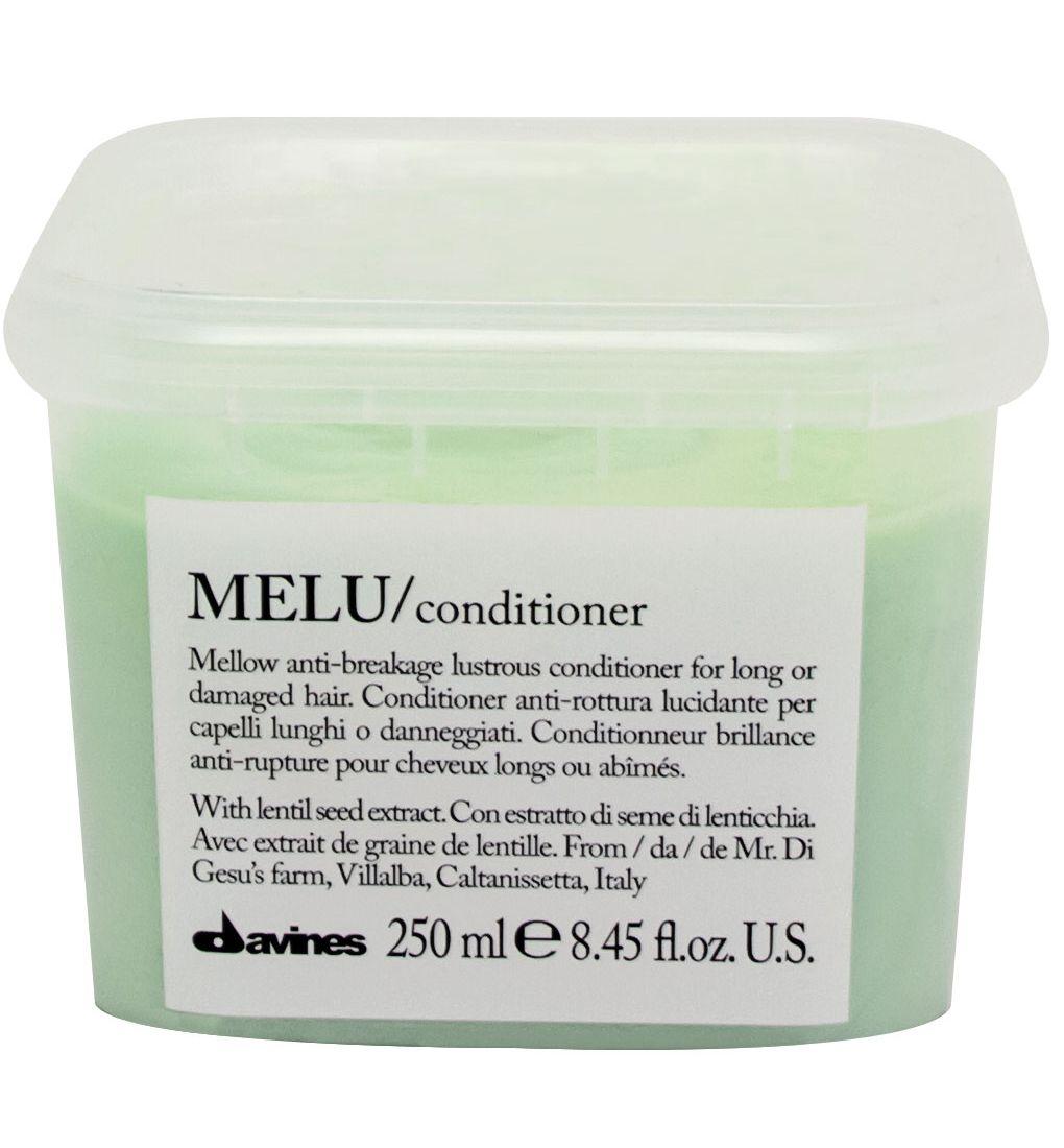 Davines Кондиционер для предотвращения ломкости волос Essential Haircare New Melu Conditioner, 250 мл75048Специальная серия для длинных или поврежденных волос. Активный экстракт семян чечевицы восстанавливает и питает локоны. Богатая важными аминокислотами формула защищает локоны. Серин и глютаминовая кислота обеспечивают благоприятное воздействие на кудри, предотвращая их ломкость.