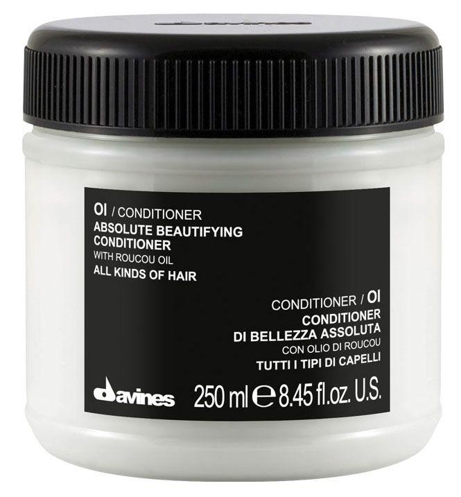 Davines Кондиционер для абсолютной красоты волос Essential Haircare Ol Absolute Beautifying Conditioner, 250 мл73272/76008Мягкий и деликатный кондиционер. Специальная формула с абрикосовым маслом смягчает и активно насыщает кудри живительной влагой. Локоны становятся мягче и гибче, появляется объем и здоровый блеск. Кондиционер защищает волосы от термического влияния приспособлений для создания причесок, предотвращает их механическое повреждение. Состав богат витаминами А и С. Без парабенов.