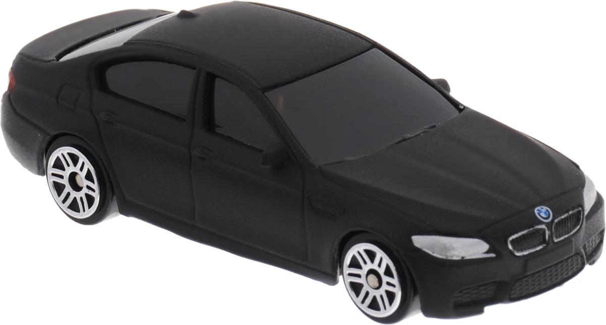 Uni-Fortune Toys Модель автомобиля BMW M5 цвет черный344003SMBMW M5 - доработанная подразделением BMW Motorsport версия автомобиля BMW пятой серии. Первое поколение было представлено в 1986 году. Последующие поколения M5 сменялись совместно с каждым поколением автомобилей пятой серии, включающей E34, E39, E60/61. С началом производства текущей модели F10, после поступления первых заказов, с конца 2011 года началось также производство ее M-версии. Модель автомобиля Uni-Fortune Toys BMW M5 будет отличным подарком как ребенку, так и взрослому коллекционеру. Благодаря броской внешности и великолепной точности машинка станет подлинным украшением любой коллекции авто. Модель выполнена в масштабе 1/64. Модель будет долго служить своему владельцу благодаря металлическому корпусу с элементами из пластика. колеса машинки имеют свободный ход. Модель автомобиля обязательно понравится вашему ребенку и станет достойным экспонатом любой коллекции.