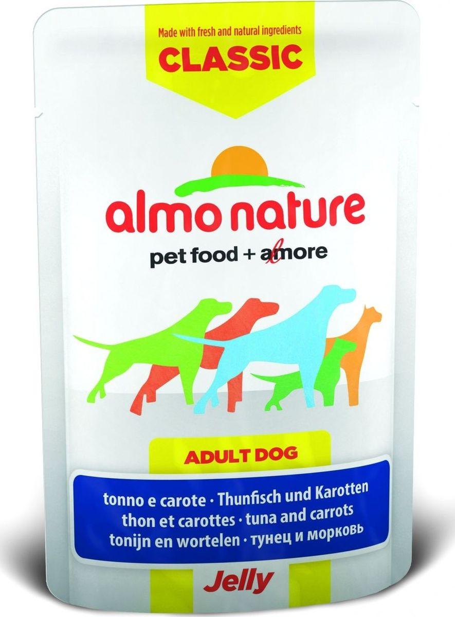 Консервы для собак Almo Nature Classic, тунец и морковь в желе, 70 г10702Консервы Almo Nature Classic - восхитительно вкусный функциональный влажный корм для собак, содержащий желатин, который является натуральным средством для вывода шерсти из организма животного, помогающий защитить пищеварительный тракт от раздражения, а также он придает корму восхитительно нежную структуру. Консервы приготовлены из самых свежих отборных ингредиентов уровня Human Grade (качество как для людей), являющихся натуральным естественным источником витаминов и микроэлементов. Состав: тунец 55%, бульон из тунца, морковь 5%, рис 0,2%. Пищевая ценность: белки 13%, клетчатка 0.1%, масла и жиры 1%, зола 1%, влажность 84%. Калорийность: 582 ккал/кг. Товар сертифицирован