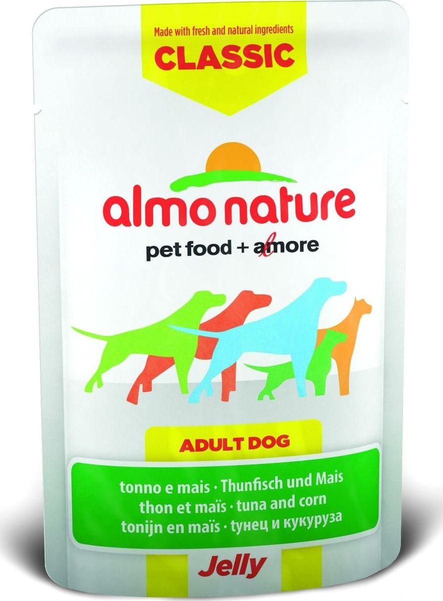 Консервы для собак Almo Nature Classic, тунец и сладкая кукуруза в желе, 70 г10703Консервы Almo Nature Classic - восхитительно вкусный функциональный влажный корм для собак, содержащий желатин, который является натуральным средством для вывода шерсти из организма животного, помогающий защитить пищеварительный тракт от раздражения, а также он придает корму восхитительно нежную структуру. Консервы приготовлены из самых свежих отборных ингредиентов уровня Human Grade (качество как для людей), являющихся натуральным естественным источником витаминов и микроэлементов. Состав: тунец 55%, бульон из тунца, сладкая кукуруза 5%, рис 0,2%. Пищевая ценность: белки 14%, клетчатка 0.1%, масла и жиры 1%, зола 1%, влажность 83%. Калорийность: 591 ккал/кг. Товар сертифицирован.