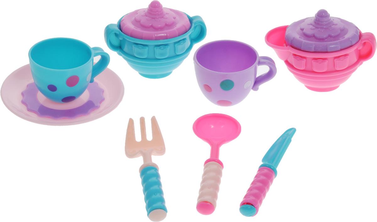Docha&Mama Игрушечный набор детской посуды MeLaLa За чашкой чая62152Игрушечный набор детской посуды Docha&Mama MeLaLa. За чашкой чая поможет ребенку собрать своих красавиц-кукол и устроить им светское чаепитие. Набор включает в себя красивый сосуд для молока с рельефными узорами и такую же сахарницу, а также маленькие кружечки, окрашенные в разноцветный горошек. В набор также входят нож, вилка и ложка, а тарелочку можно использовать для вкусных десертов. Все элементы набора выполнены из прочного и безопасного для ребенка материала.
