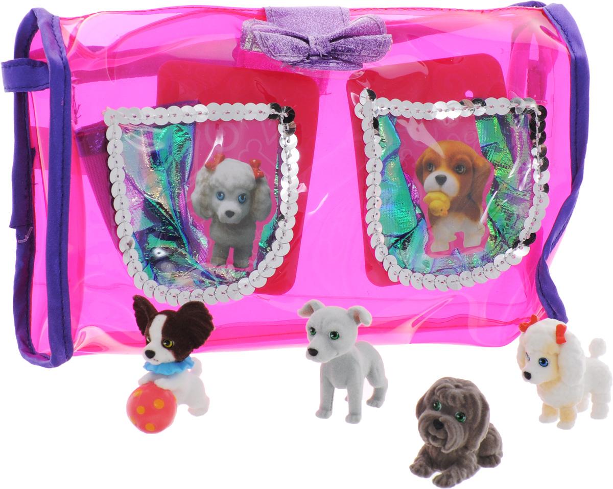 Puppy In My Pocket Набор фигурок 4 шт + сумочка48200Яркая стильная сумочка с четырьмя очаровательными щеночками придутся по вкусу каждой моднице, особенно, если она является поклонницей популярного мультсериала Puppy In My Pocket. Сумочка имеет прозрачные кармашки, в которые можно положить забавных щенков. Puppy In My Pocket - это новый бренд игрушек, созданных по одноименному мультфильму, объединяющий более 100 различных персонажей! Симпатичные маленькие пластиковые собачки имеют специальное текстильное напыление (флокирование), делающее их очень приятными на ощупь. Это настоящий подарок для коллекционера!