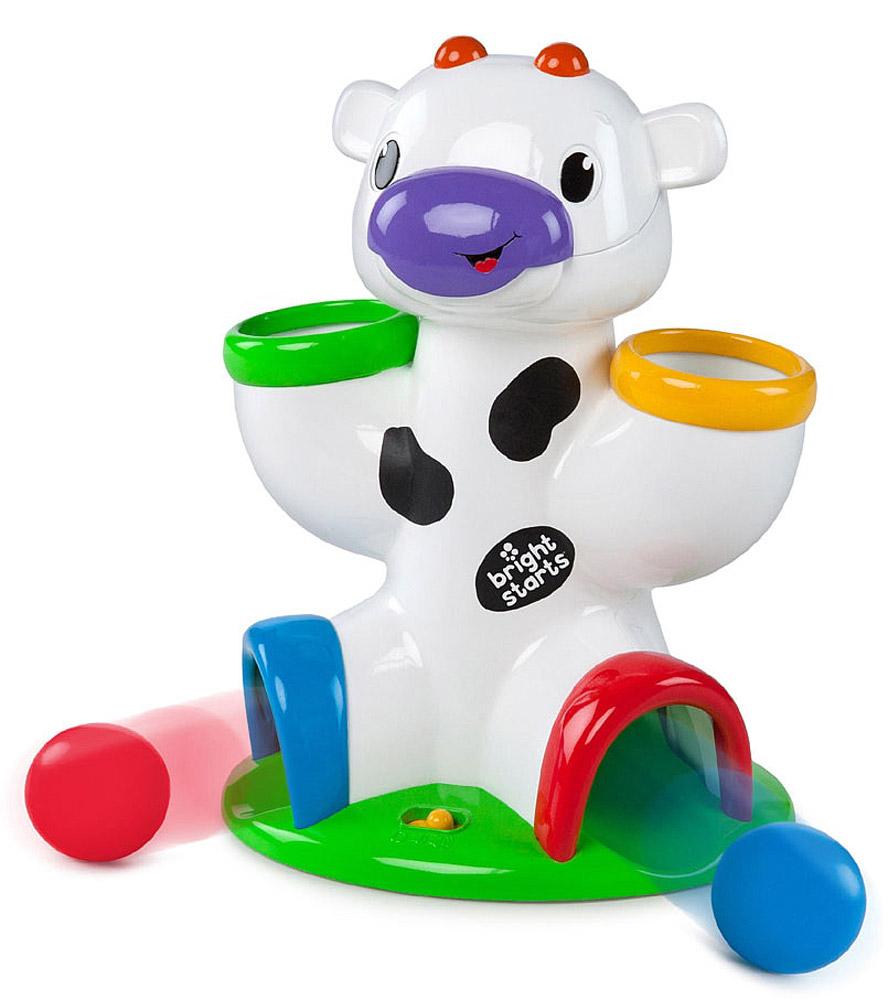 Bright Starts Развивающая игрушка Веселая корова52175Развивающая игрушка Bright Starts Веселая корова предназначена для детей с 6 месяцев. В комплект входят три разноцветных мячика, которые можно бросать в отверстия в голове и ногах коровки и наблюдать, как они выкатываются, а коровка при этом издает различные смешные звуки. Игрушка развивает координацию рук и зрение ребенка. Рекомендуется докупить 2 батарейки напряжением 1,5V типа АА (товар комплектуется демонстрационными).