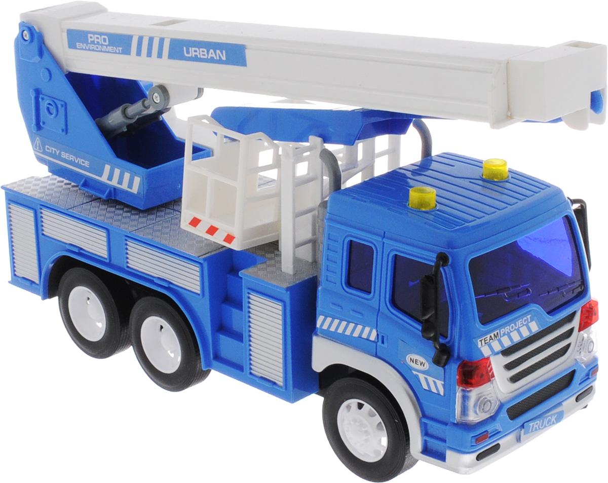 Dave Toy Кран инерционный цвет синий33019Кран Dave Toy, выполненный из прочного пластика с металлическими элементами, станет любимой игрушкой вашего малыша. Игрушка представляет собой кран, который раскладывается и поднимается. Игрушка оснащена инерционным ходом. Достаточно немного подтолкнуть машинку вперед или назад, а затем отпустить, и она сама поедет в ту же сторону. Прорезиненные колеса обеспечивают надежное сцепление с любой поверхностью пола. Игрушка обладает световыми и звуковыми эффектами. Ваш ребенок будет увлеченно играть с этой машинкой, придумывая различные истории. Порадуйте его таким замечательным подарком! Рекомендуется докупить 3 батарейки напряжением 1,5V типа AG13 (товар комплектуется демонстрационными).