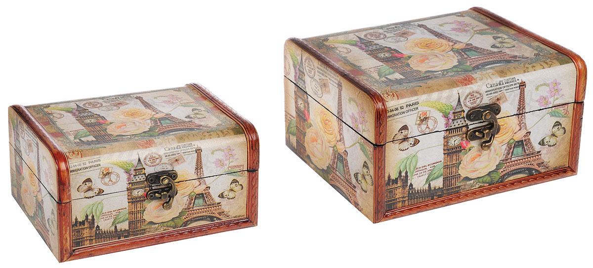 Набор шкатулок Roura Decoracion, 2 шт. 3475534755Набор Roura Decoracion состоит из двух шкатулок, изготовленных из МДФ и оформленных декоративной бумагой. Их оригинальное оформление, несомненно, привлечет внимание. Поверхность шкатулок декорирована изображением Эйфелевой башни и Биг-Беном, а также цветами и бабочками. Шкатулки закрываются на металлические замочки. Они могут использоваться для хранения бижутерии, в качестве украшения интерьера, а также послужит хорошим подарком для человека, ценящего практичные и оригинальные вещи. Размер большой шкатулки: 23 х 17 х 12 см. Размер малой шкатулки: 18 х 13 х 9 см.