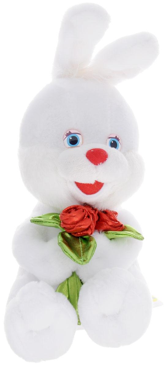 Lava Мягкая озвученная игрушка Заяц с блестящими розами 20 смLF 1140Мягкая озвученная игрушка Lava Заяц станет незабываемым подарком каждому малышу. Игрушка невероятно мягкая, оформлена в виде белого зайчика, держащего в лапках блестящий букет цветов. При нажатии на живот игрушка поет песенку. Забавные, добрые мягкие игрушки радуют детей с самого рождения. Ведь уже в первые месяцы жизни ребенок проявляет интерес к плюшевым зверятам и необычным персонажам. Сначала они помогают ему познавать окружающий мир через тактильные ощущения, знакомят его с животным миром нашей планеты, формируют цветовосприятие и способствуют концентрации внимания. Игрушка работает от незаменяемых батареек.