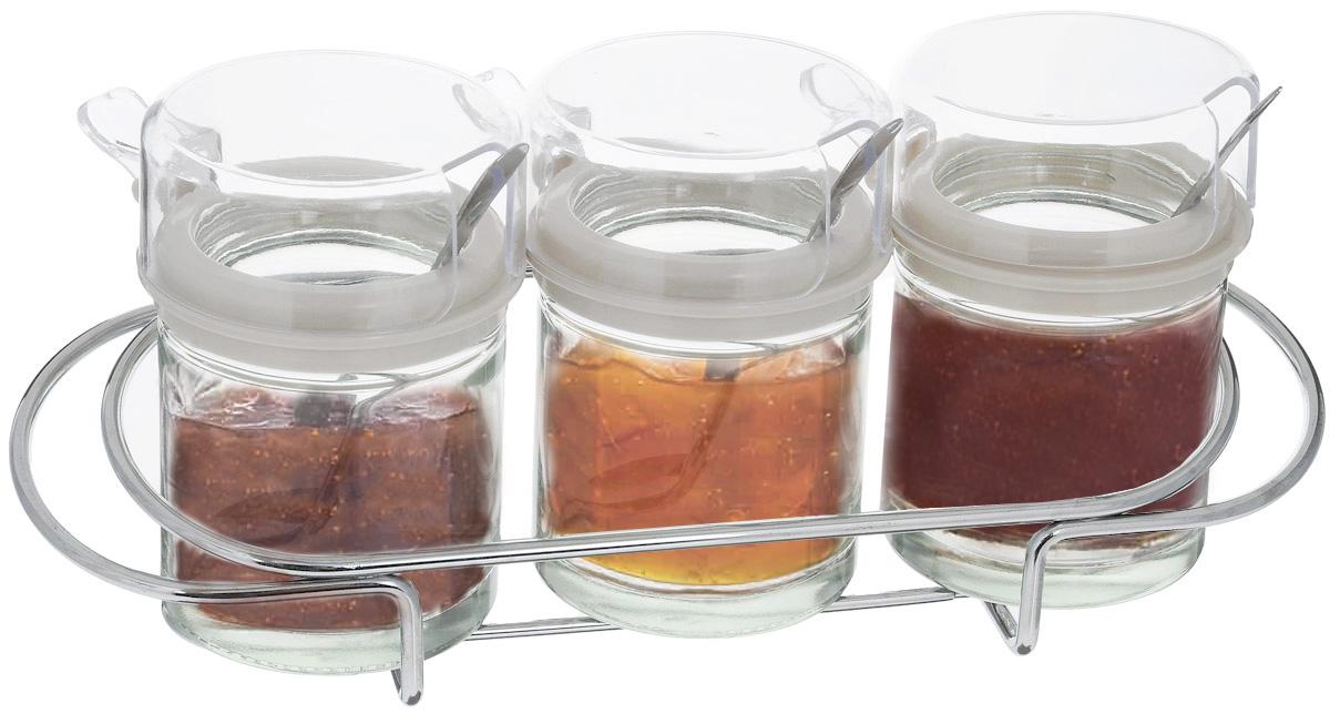 Набор банок для хранения продуктов SinoGlass, с ложками, на подставке, 7 предметов6722001Набор для хранения продуктов SinoGlass состоит из 3 банок, 3 ложек и подставки. Банки, выполненные из прочного стекла, оснащены пластиковыми вставками и крышками, а также металлическими ложками. Изделие прекрасно подойдет для хранения соусов, сливок, меда, варенья или сахара. Банки компактно располагаются на металлической подставке. Такой набор стильно дополнит интерьер кухни и прекрасно послужит для хранения продуктов. Отличный подарок к любому случаю, который порадует любую хозяйку. Диаметр банки (по верхнему краю): 6 см. Высота банки (с учетом крышки): 9 см. Длина ложки: 10,5 см. Размер подставки: 24 х 7,5 х 5 см.