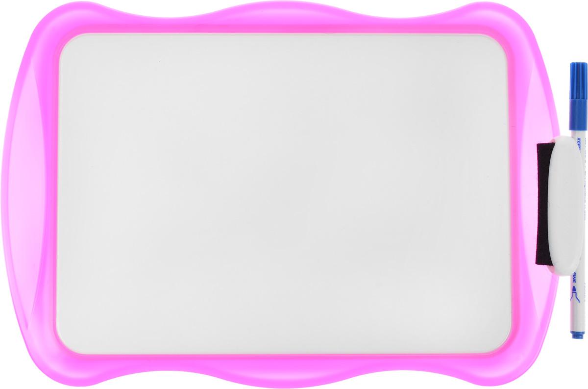 Bic Доска для рисования Velleda цвет розовыйB841362, 841362Двухсторонняя доска для рисования Bic Velleda сделает занятия с ребенком энергичными, яркими и запоминающимися, ведь писать и рисовать на ней намного интереснее, чем в классической тетрадке. Доска выполнена из плотного и качественного материала. Одна сторона доски белая, другая разлинована в голубую линейку. Доска предназначена для многократного нанесения информации - достаточно стереть записи губкой, входящей в комплект. В комплект входит маркер синего цвета. Маркер крепится к доске с помощью специального держателя.