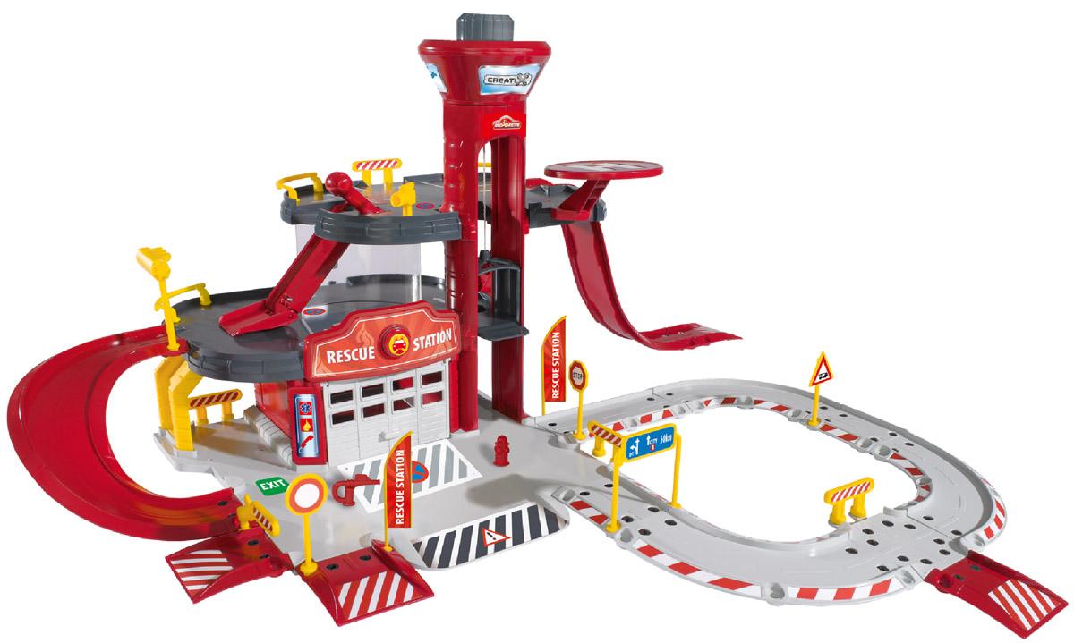 Majorette Игровой набор Пожарная станция Creatix2050015Игровой набор Majorette Пожарная станция Creatix станет прекрасным подарком юному гонщику. Пожарная станция состоит из трех этажей. На первом этаже находится гараж для въезда и выезда машин. Над воротами гаража есть специальная кнопка, при помощи которой машина незамедлительно выезжает на вызов. Также здание окружено дорожными знаками, шлагбаумами, ограничителями и светофорами. На втором этаже находятся съезды, пандусы и парковка. На третьем расположена вертолетная площадка и наблюдательная башня. Также в здании находится лифт. Набор состоит из 65 элементов, но кроме этого в комплекте присутствуют пожарные автомобиль и вертолет. Ваш мальчик будет играть с таким набором целыми днями напролет. Порадуйте его таким замечательным подарком!