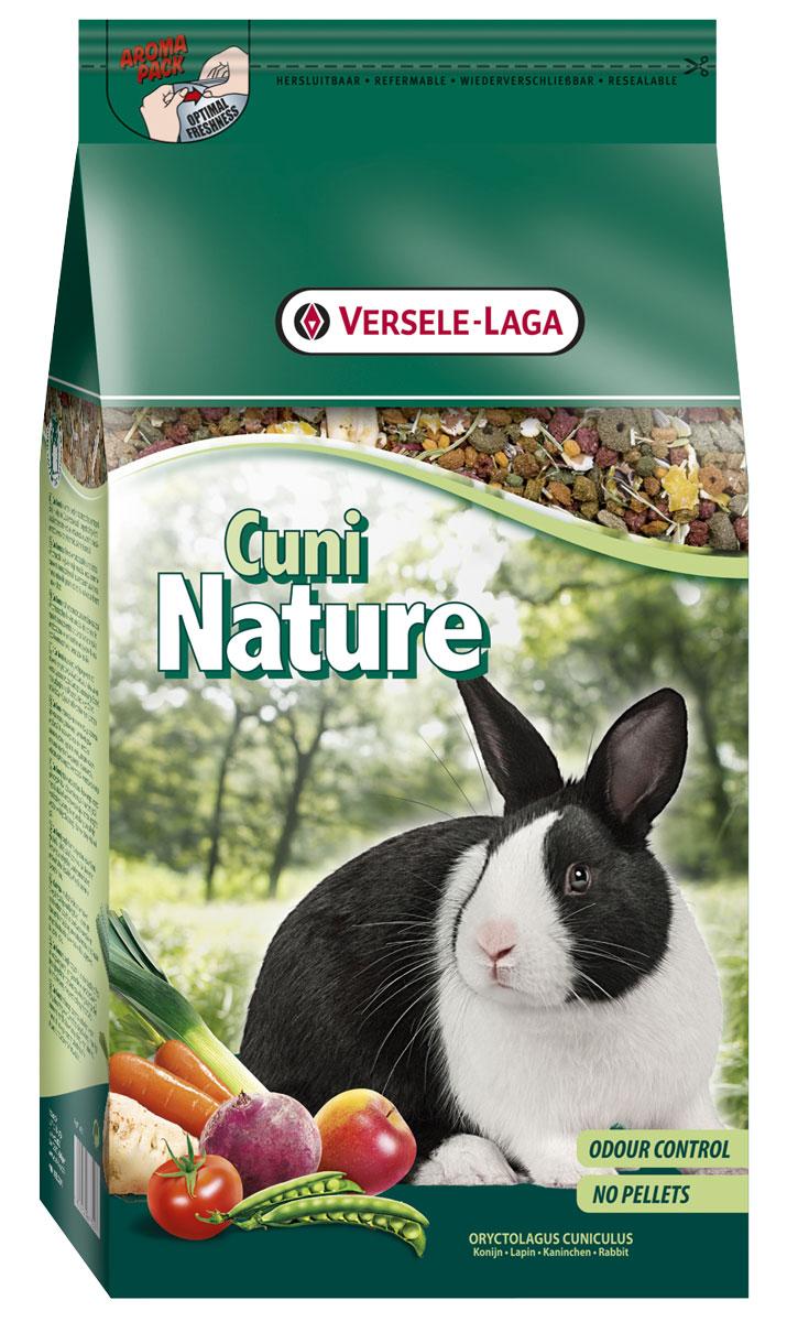 Корм Versele-Laga для кроликов Nature Cuni 2,5 кг461351Versele-Laga корм для кроликов Nature Cuni 2,5 кг Полноценный основной корм для кроликов и карликовых кроликов, разработанный с учетом их пищевых потребностей. Это высококачественная смесь природных компонентов, которая содержит все необходимые для организма питательные вещества, витамины, минералы и аминокислоты, необходимые для жизнерадостной и здоровой жизни вашего питомца. Cuni Nature содержит дополнительное количество клетчатки, трав, овощей, фруктов и добавок, важных для здоровья: обеспечивает превосходное пищеварение, гигиену полости рта, сияющую шерсть и великолепное здоровье. Широкое разнообразие ингредиентов гарантирует превосходный вкус и усваиваемость. Не содержит прессованных гранул! Вес упаковки 2,5 кг