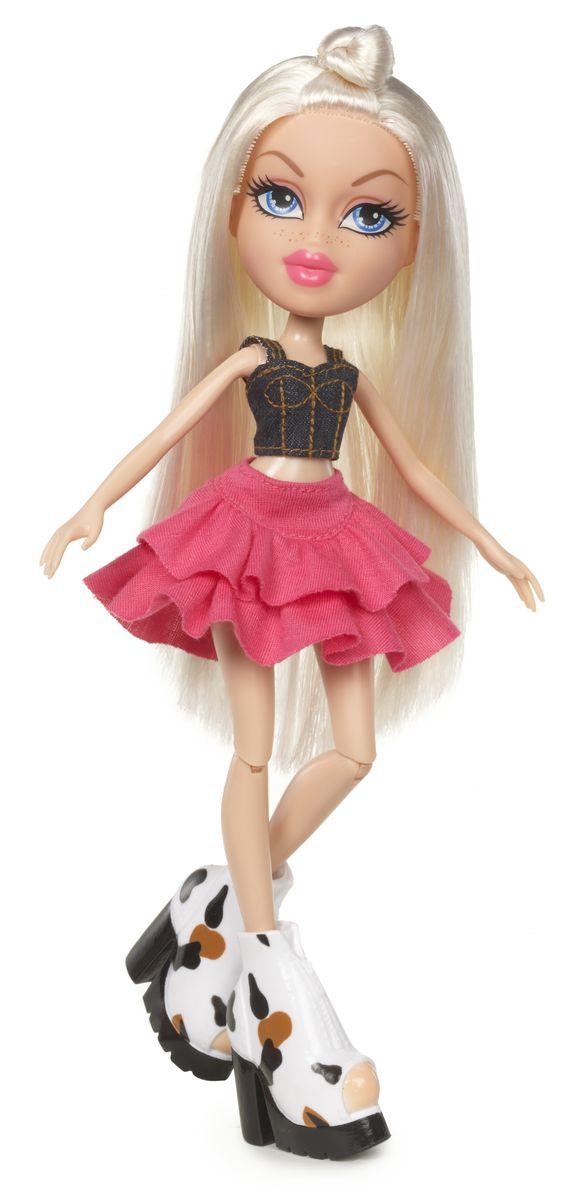 Bratz Кукла Хлоя Давай знакомиться536093Хлоя - настоящая кокетка. Уж она-то знает толк в моде, и разбирается в ней как никто другой! Длинноволосая кукла Хлоя одета в пышную розовую юбку, сдержанный джинсовый топ и массивные ботильоны на каблуках. Хлоя готова к выходу в свет! Bratz - это оригинальные куклы-модницы, популярные среди миллионов девочек во всем мире. У куклы большая голова и худощавое тело, большие миндалевидные глаза и блестящие губки. У нее подвижные руки, ноги сгибаются в коленях а значит, игра с ней станет еще более интересной и увлекательной! В комплекте прилагаются дополнительные аксессуары, с которыми девочка сможет разнообразить сюжетно-ролевую игру. Порадуйте свою девочку этим отличным подарком.