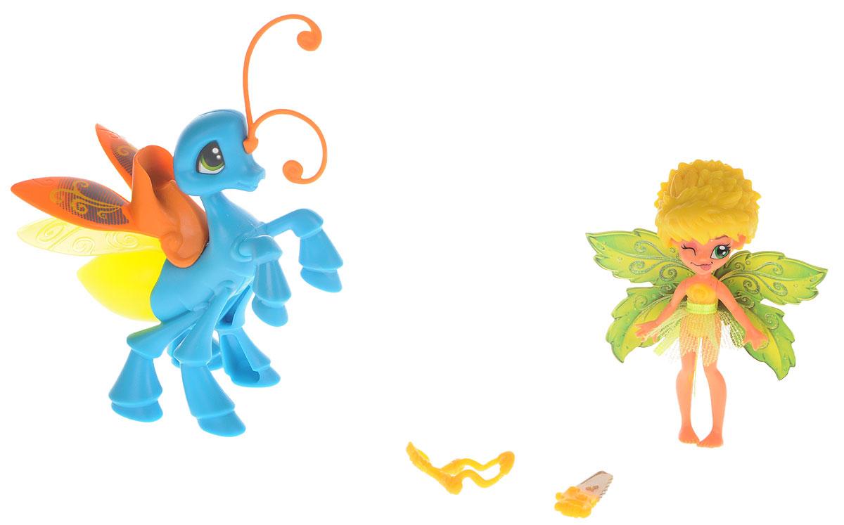 Lanard Набор фигурок Фея Данди и Светящийся Мотылек84205-1Набор фигурок Фея Данди и Светящийся Мотылек - это чудесный игровой набор, который непременно понравится каждой девочке. Милая фея Данди познакомит девочку с волшебным миром, в котором она живет, и посвятит малышку во все сказочные тайны. Данди отважная и немного озорная фея, она часто пользуется рогаткой и пилой для деревьев. У феи яркие крылышки с блестками и прозрачная юбочка. Голова, ручки и ножки двигаются. У феи есть любимый мотылек, на котором она может кататься. Нажмите на кнопку на туловище насекомого, и он загорится ярким светом. Набор с очаровательной феей надолго завладеет вниманием ребенка, а входящие в набор аксессуары разнообразят игровой процесс. Для работы требуются 3 батарейки LR41 (комплектуется демонстрационными).