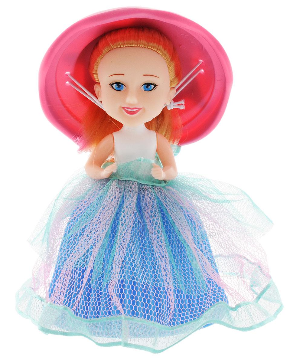 PlayMind Мини-кукла Cherry Glam39185B_голубой, розовыйМини-кукла PlayMind Cherry Glam - это уникальная кукла-капкейк, которая непременно понравится вашей малышке. При помощи несложной трансформации яркий аппетитный кекс превращается в чудесную куколку, а верхушка кекса становится для нее элегантной шляпкой. Голова и ручки куклы подвижны. Длинные мягкие волосы куклы завязаны в пучок. Малышка с удовольствием будет расчесывать их, придумывая различные прически. Соберите коллекцию из 6-ти уникальных кукол-пирожных!
